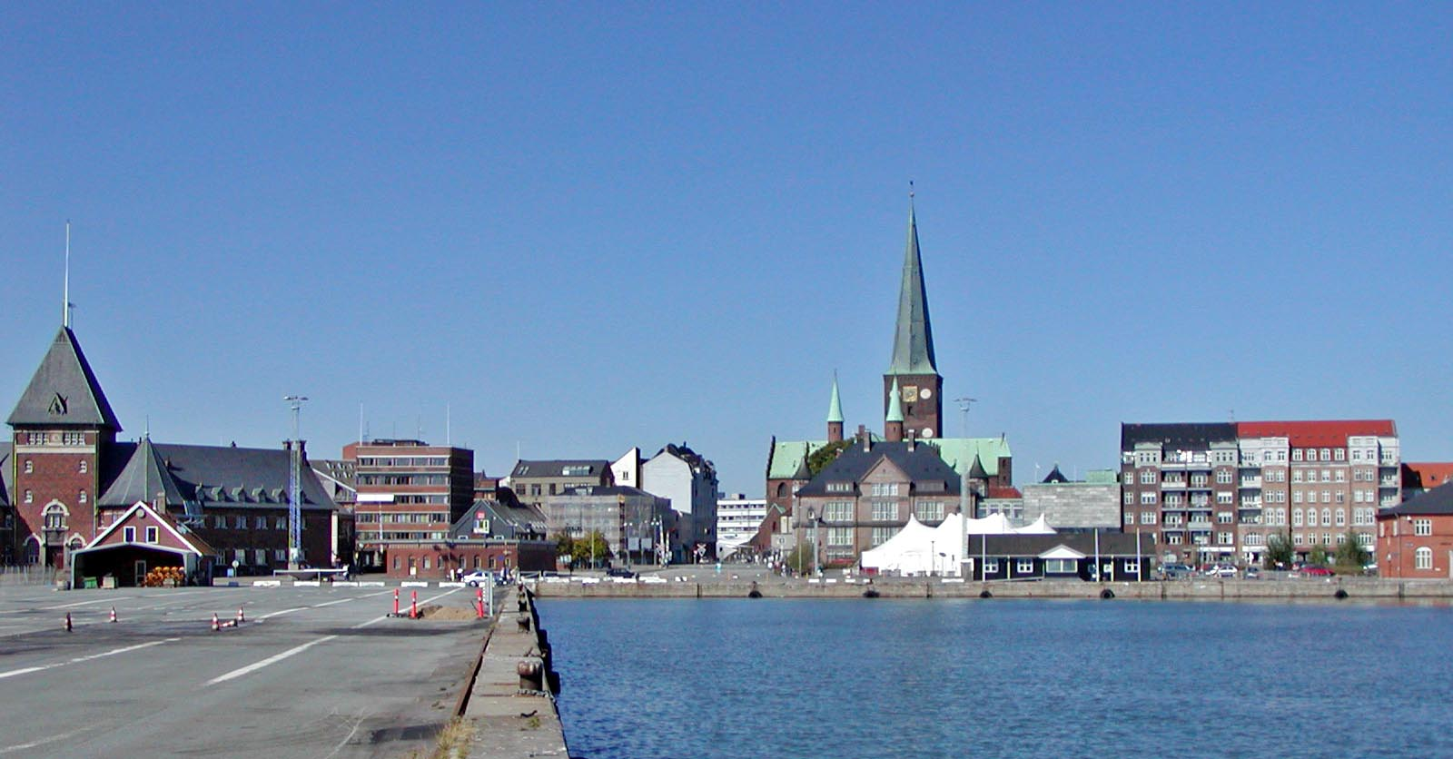 Aarhus Denmark  city photos gallery : Aarhus waterfront Wikimedia Commons