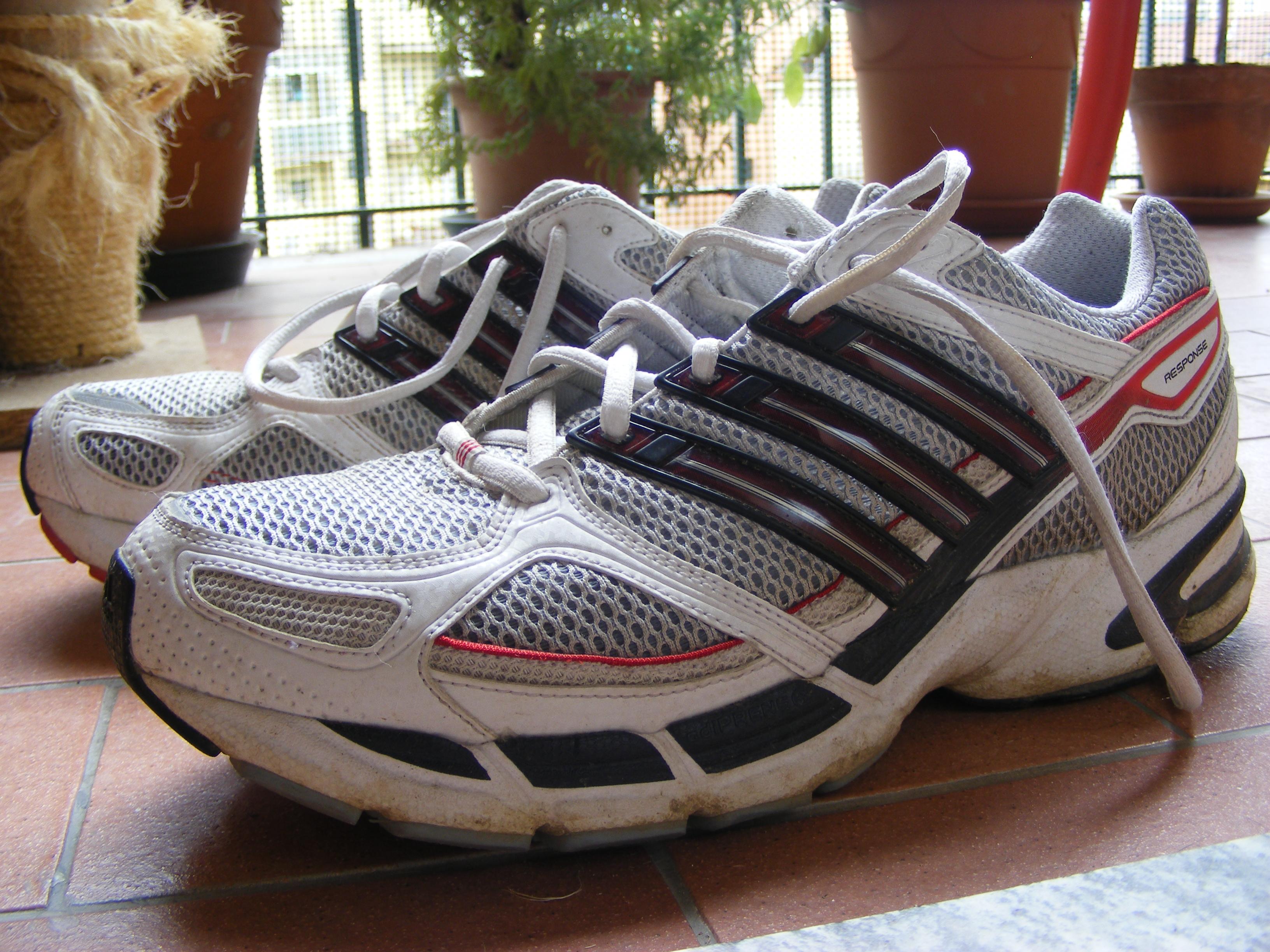 Adidas Response Cushion  M Running Shoes