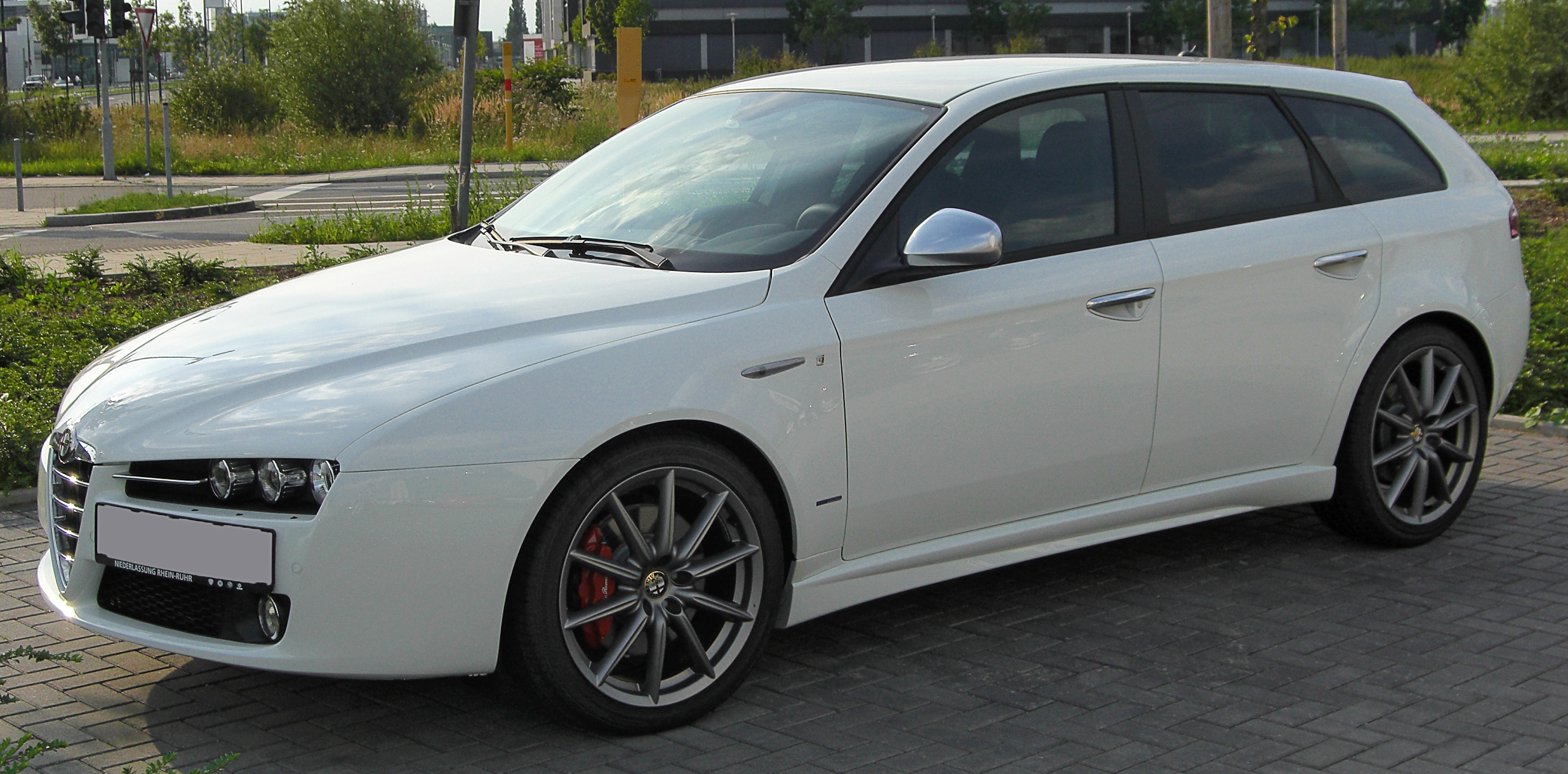 file alfa romeo 159 ti sportwagon front wikimedia commons. Black Bedroom Furniture Sets. Home Design Ideas