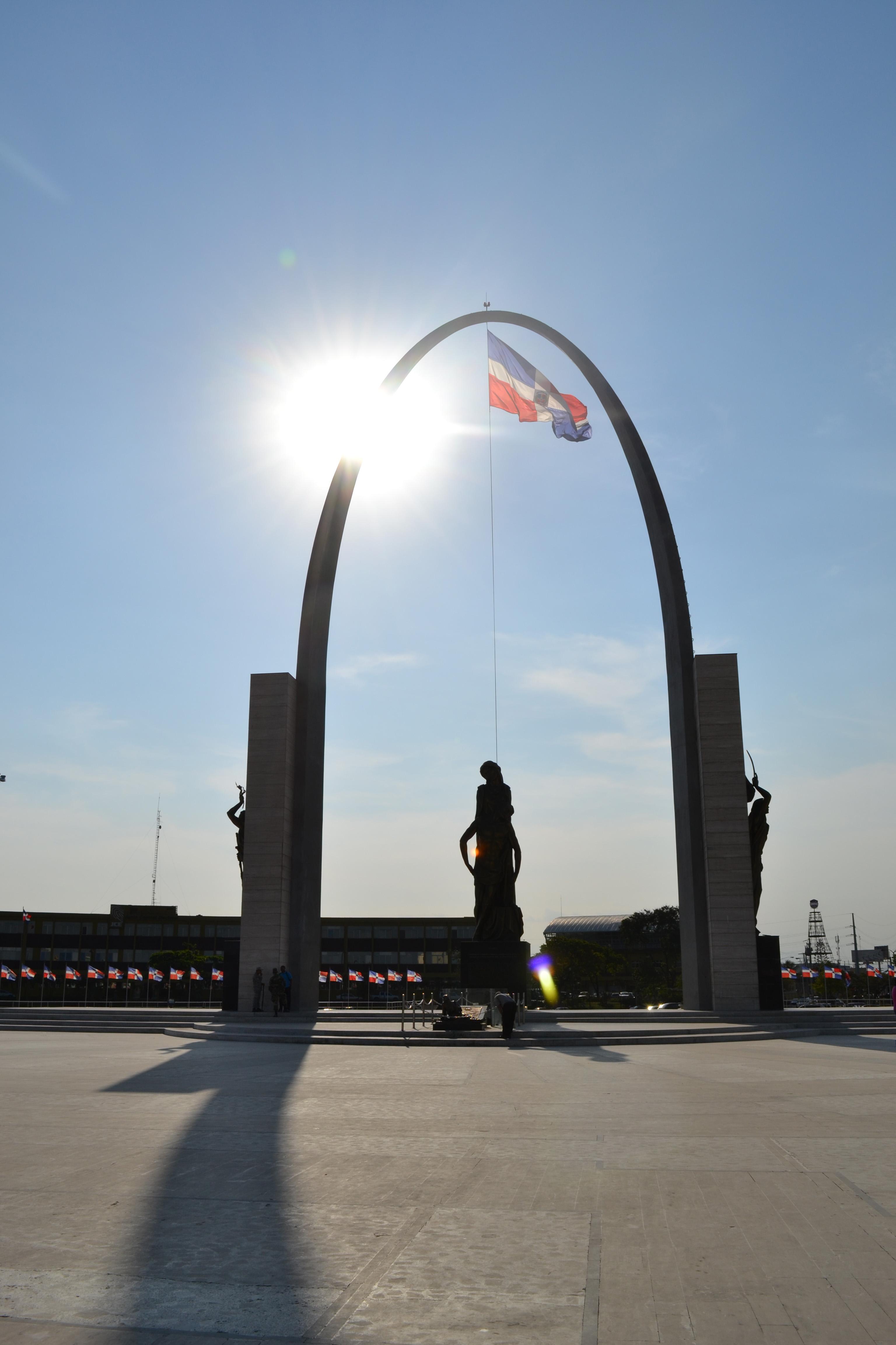 Plaza de la Bandera (Santo Domingo) - Wikipedia, la enciclopedia libre