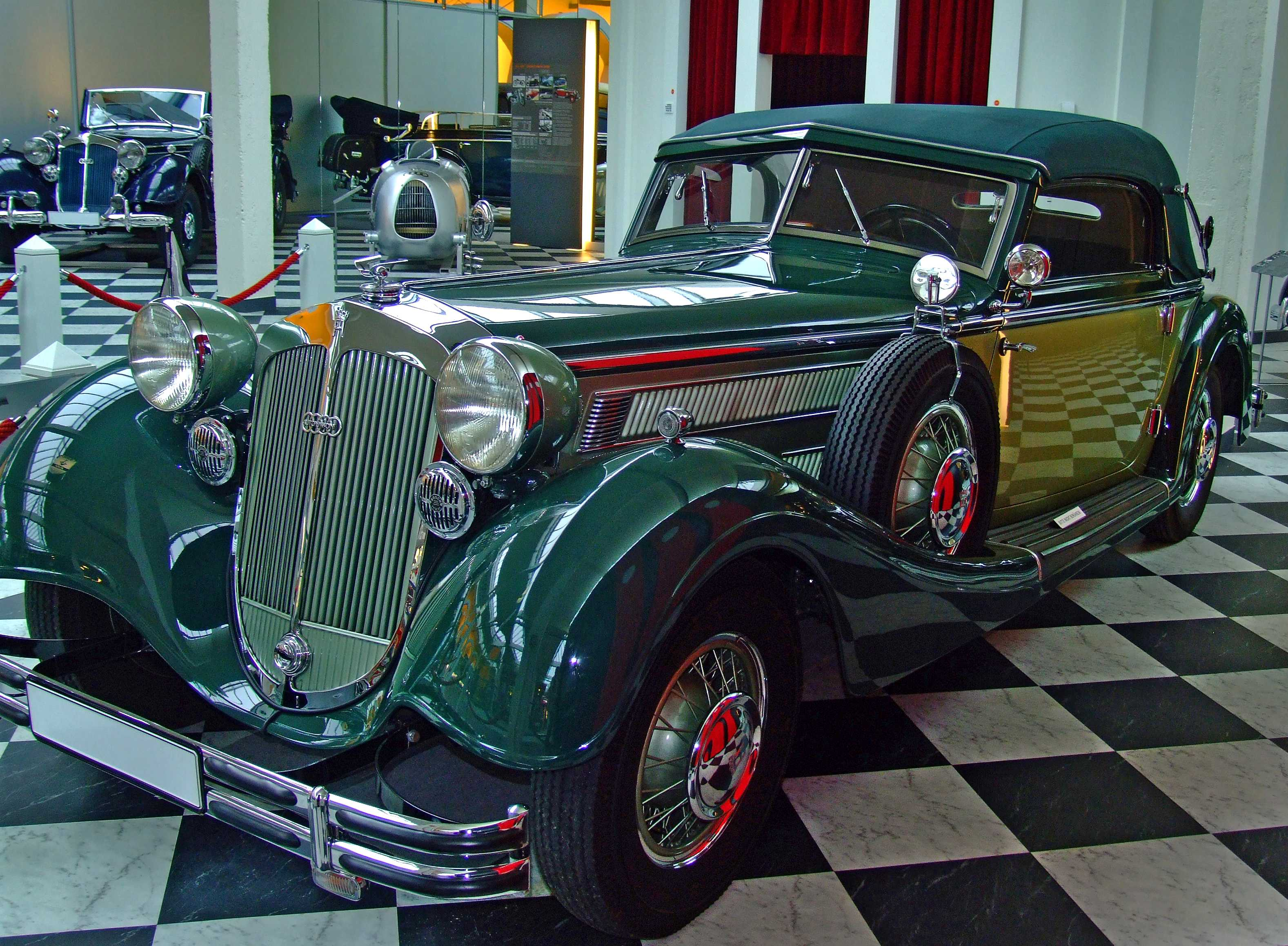 File August Horch Museum Zwickau Gravitat Off Horch