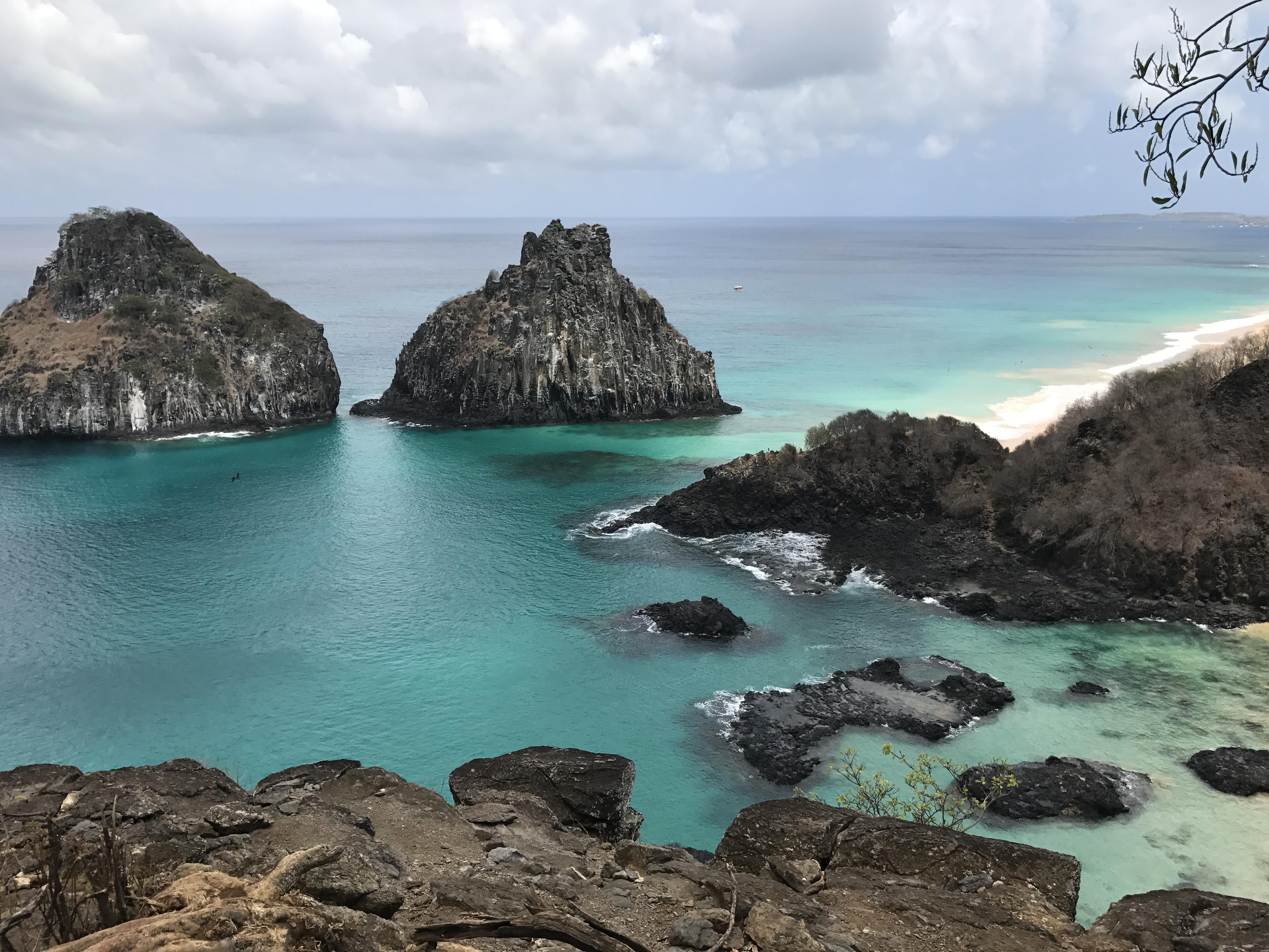 File:Baía dos Porcos - Fernando de Noronha (32811749914) jpg