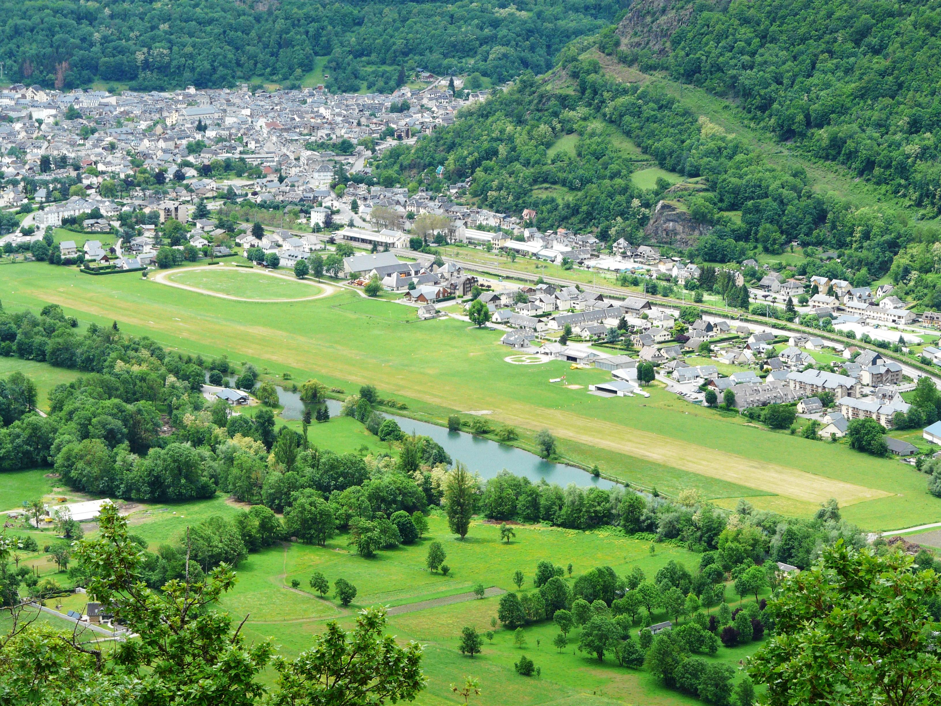 Bagneres-de-Luchon France  city pictures gallery : Bagnères de Luchon vallée de Luchon 3 Wikimedia Commons