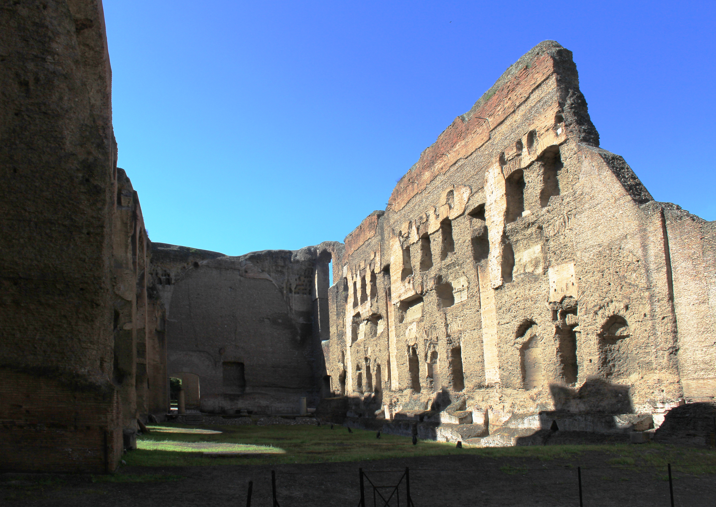 a history and function of the baths of caracalla in rome The baths of caracalla in the southern area of rome are perhaps the best preserved of all roman baths and were second only in size to trajan's baths of rome (c 110 ce) they were also the most sumptuous and luxurious roman baths ever built.