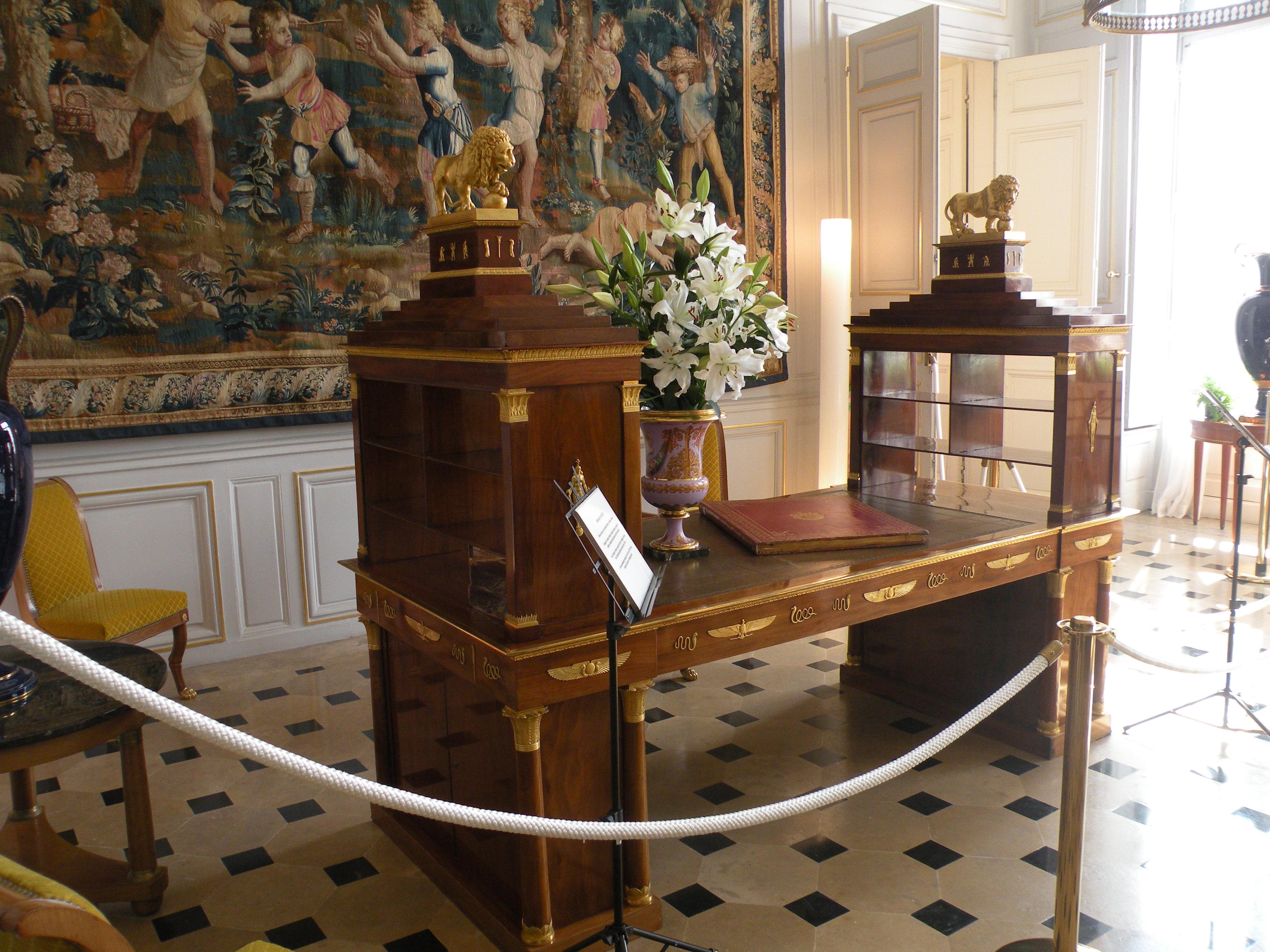 FileBrienne bureau daru 1JPG Wikimedia Commons