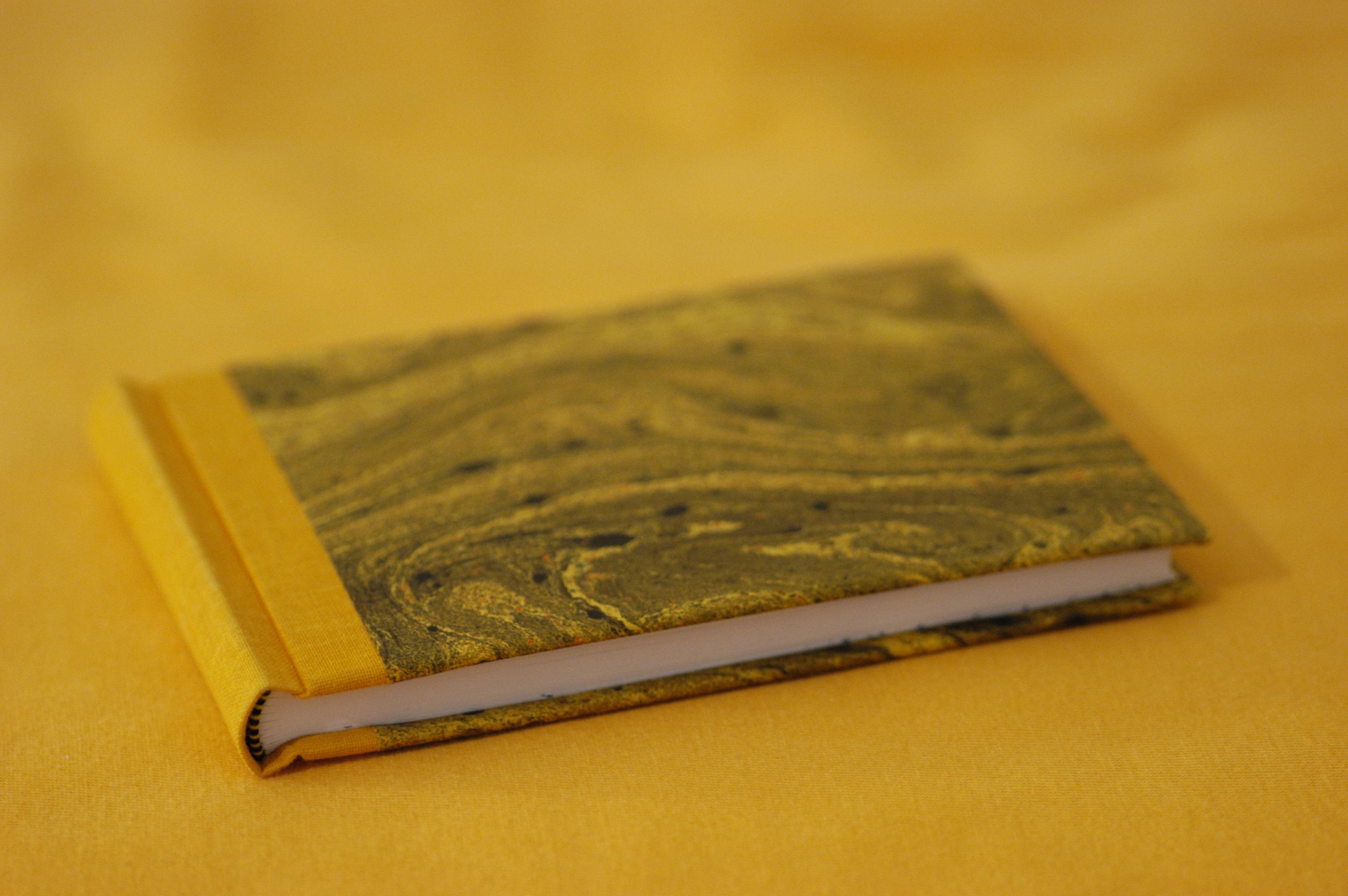 Buch Gebunden