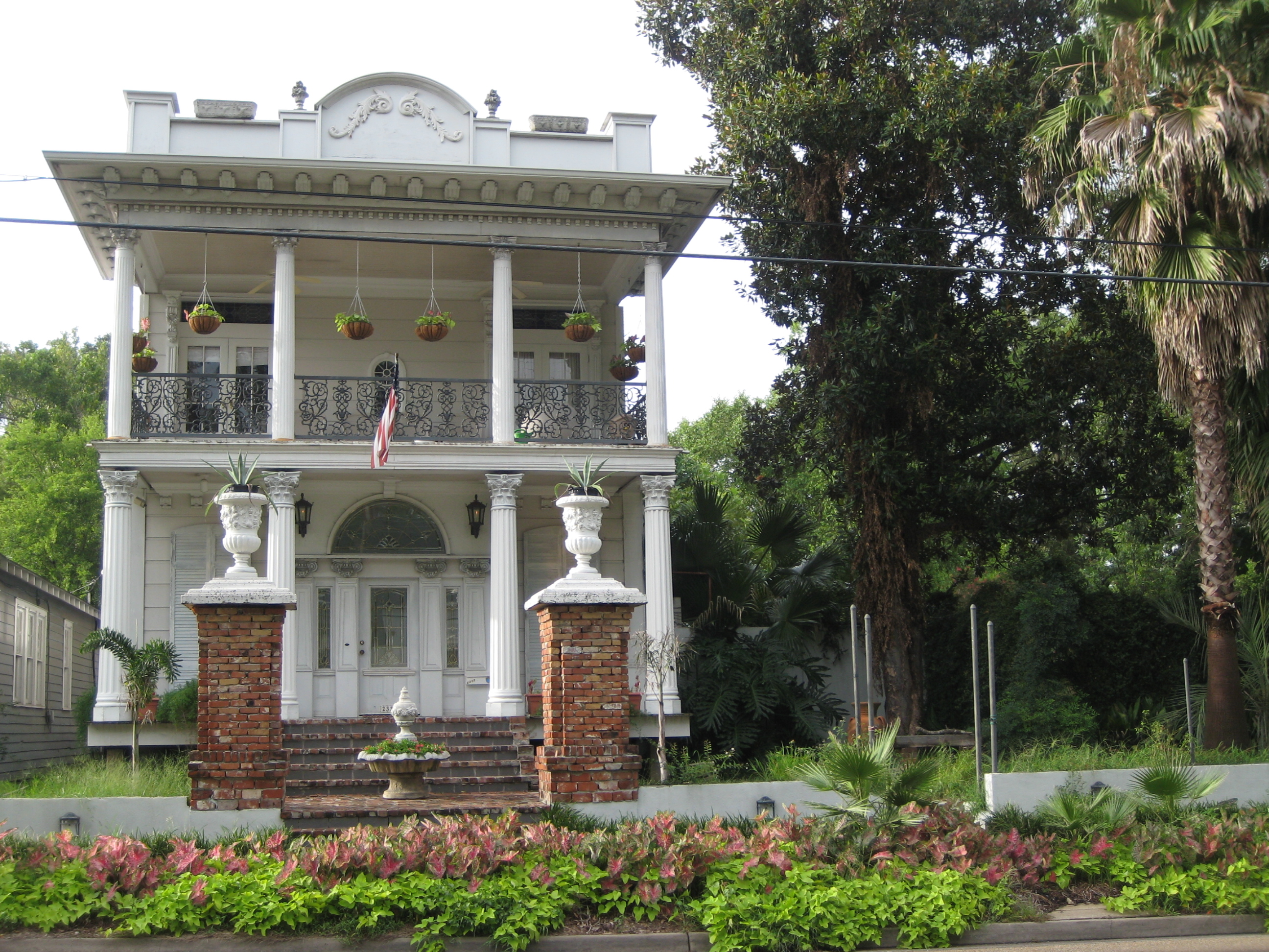1000 images about antebellum south on pinterest belle for Louisiana home builders