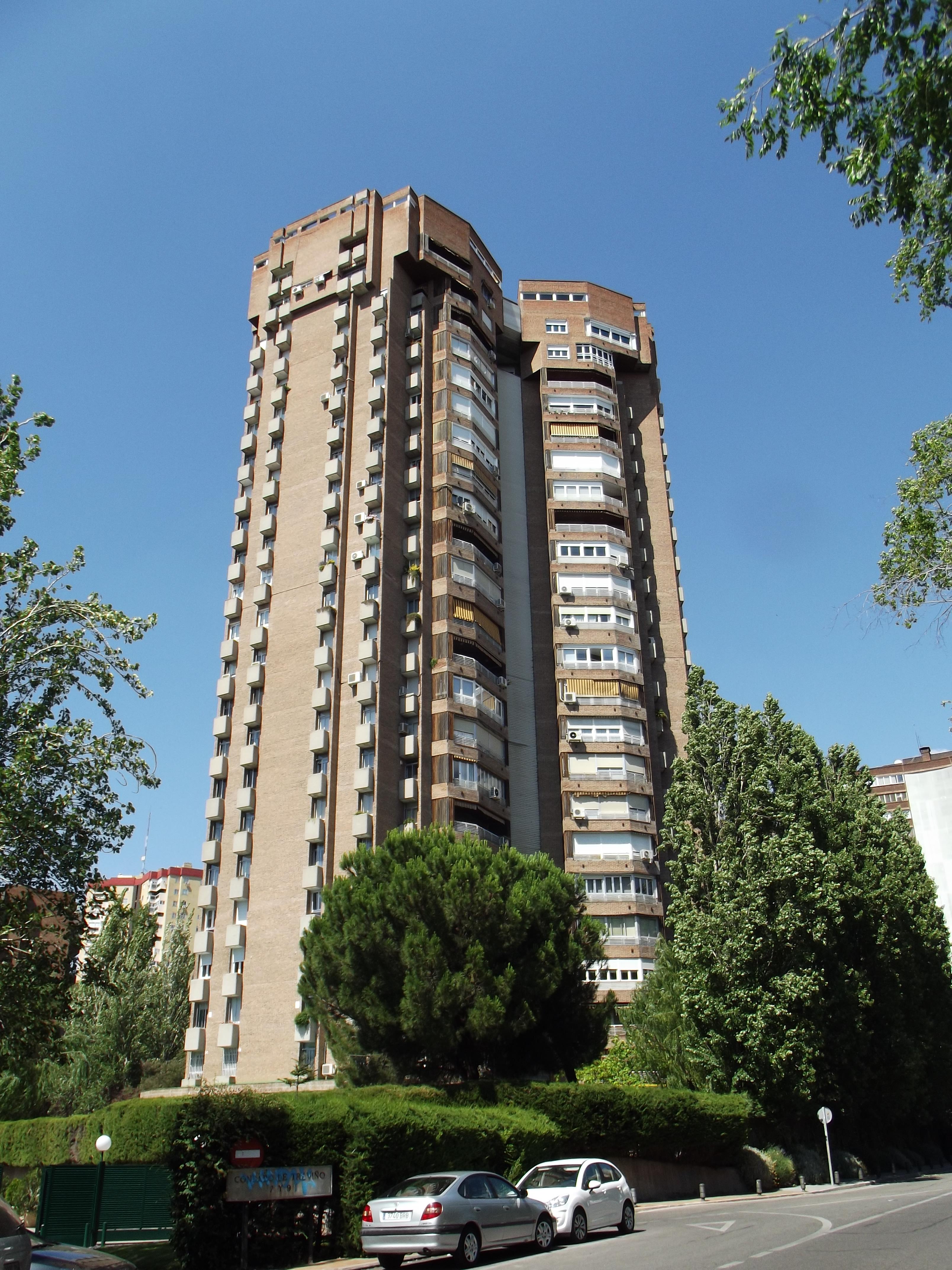File edificio del n mero 9 de la calle condado de trevi o for Calle del prado 9 madrid espana