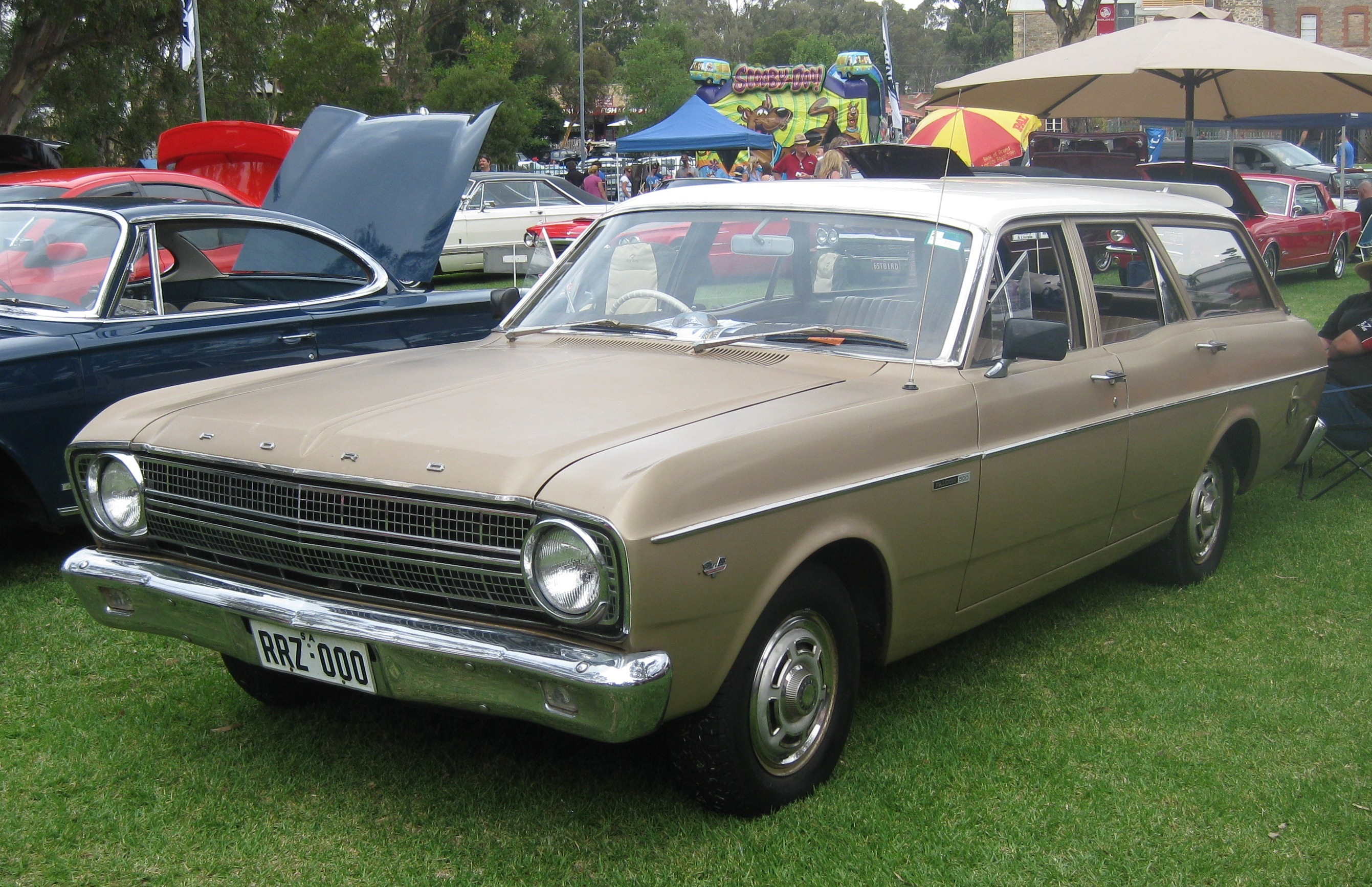 File:Ford XR Falcon 500 Station Wagon.jpg - Wikimedia Commons