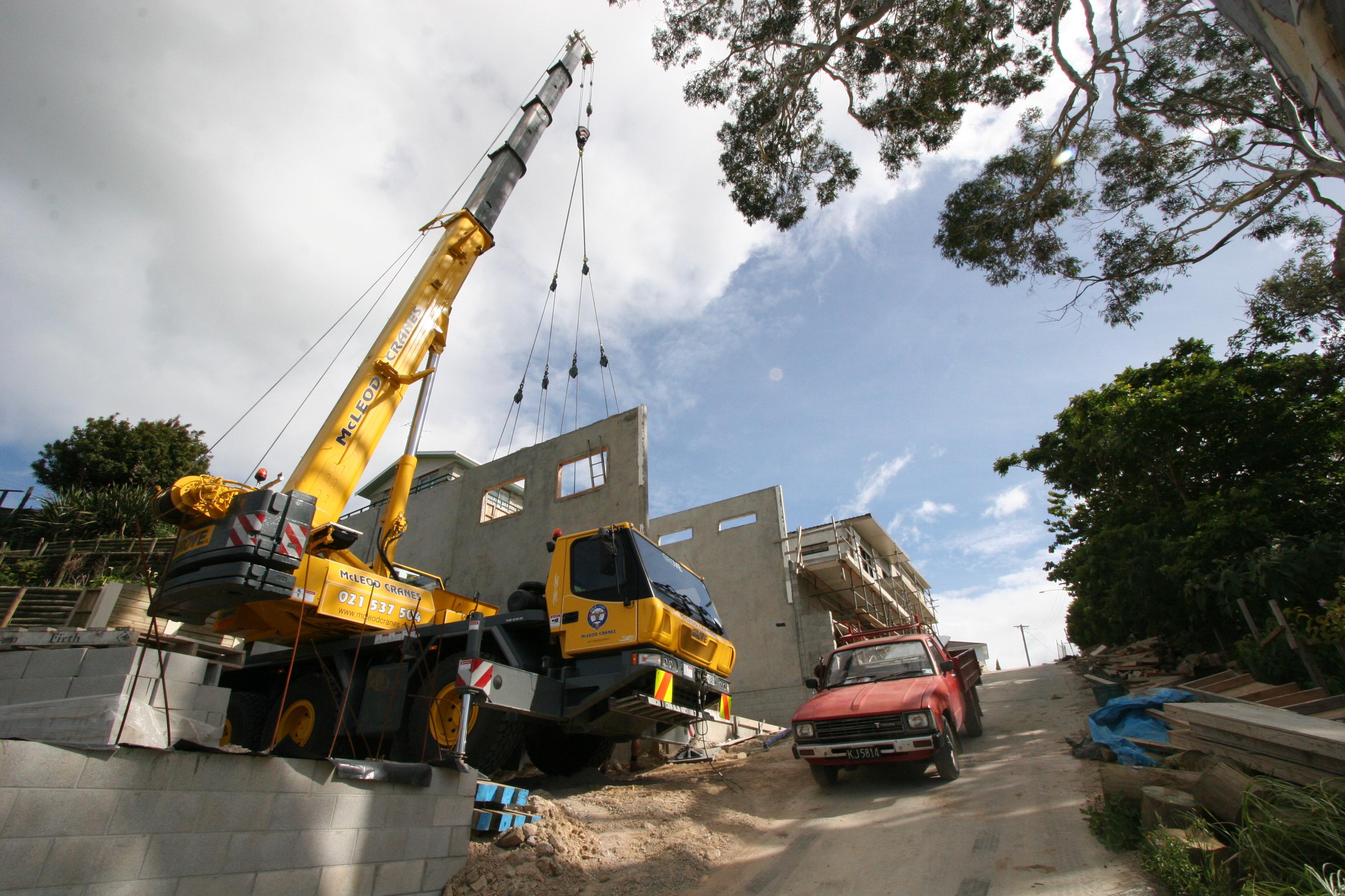 gmk3050 all terrain crane.jpg
