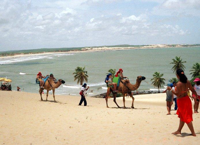 English: Genipabu beach in Natal, Brazil Portu...