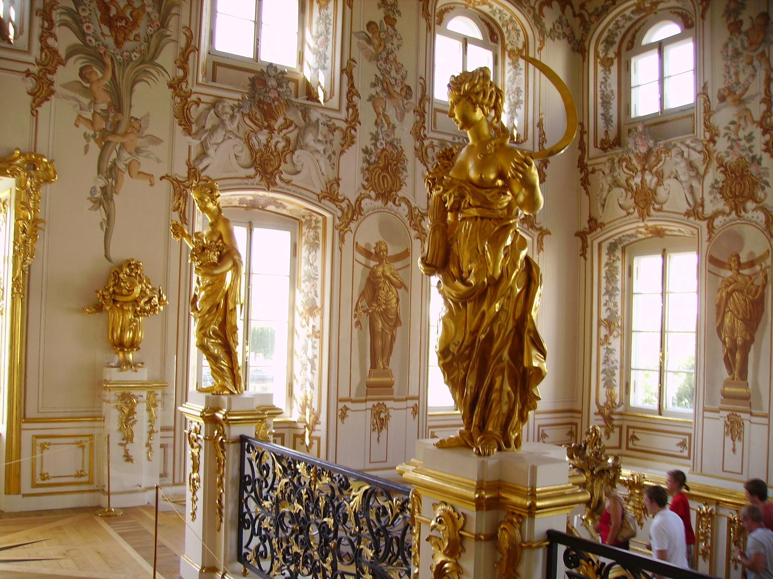 Description grand peterhof palace main staircase