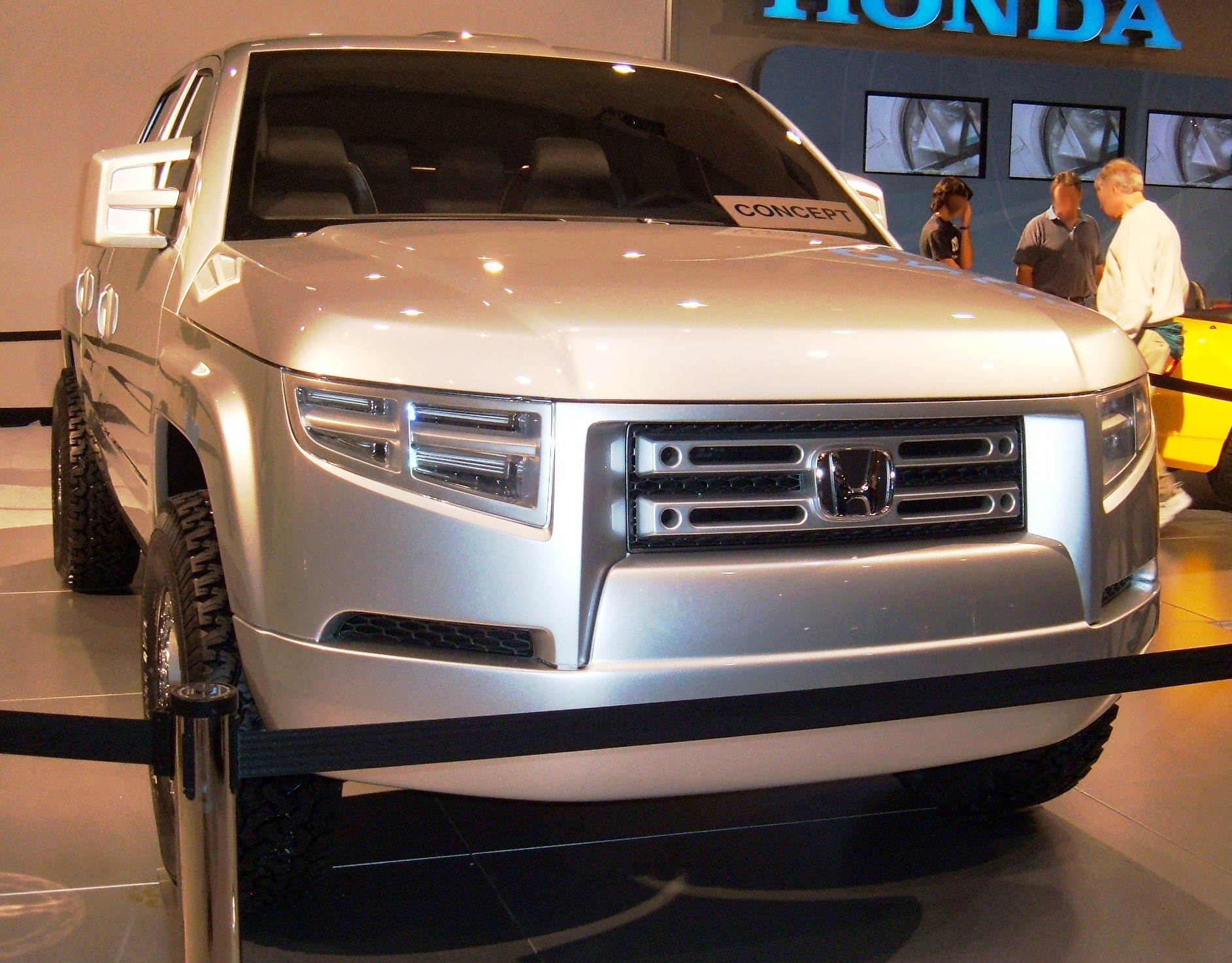 Description Honda Ridgeline concept front.JPG