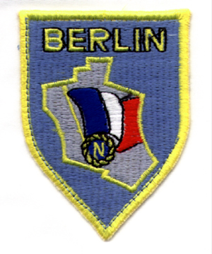 https://upload.wikimedia.org/wikipedia/commons/5/5e/Insigne-Forces-Fran%C3%A7aises-Berlin.jpg