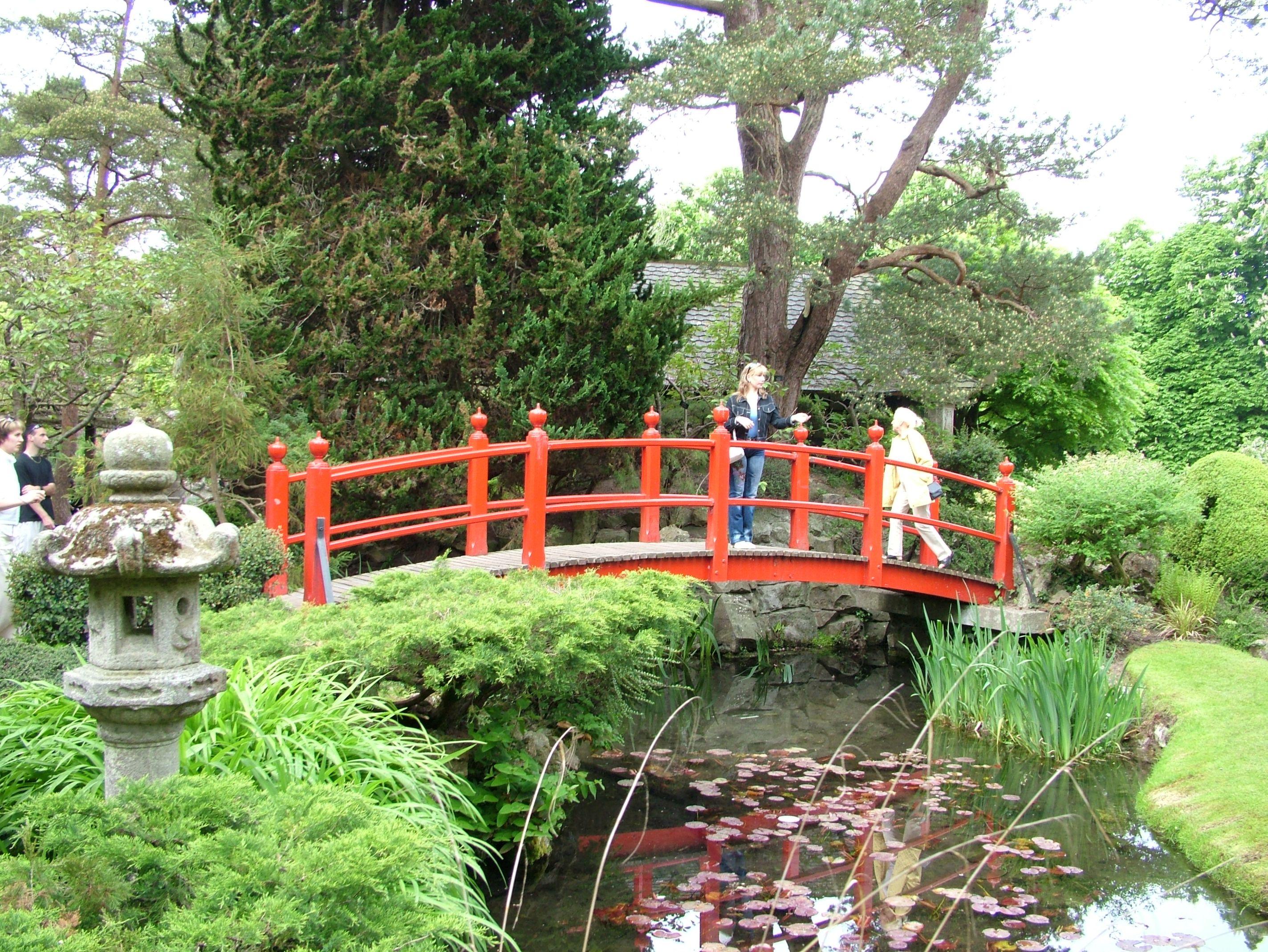 file:irish national stud bridge of life - wikimedia commons, Hause und garten