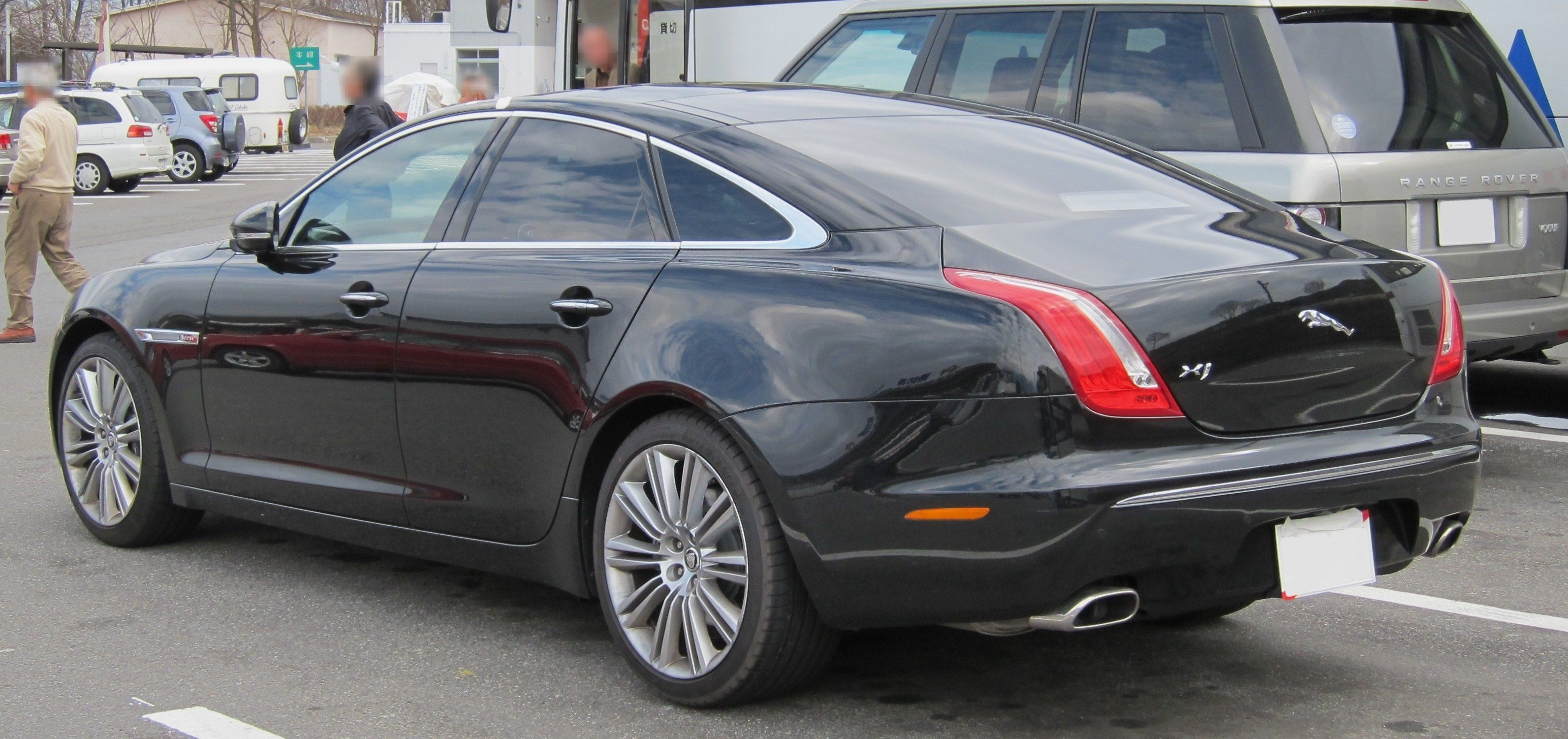 Post VIP cars Jaguar_XJ_X351_rear