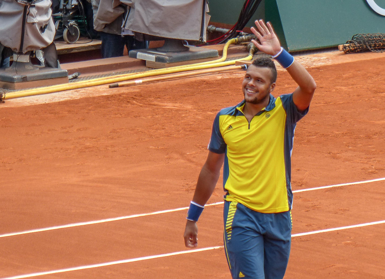 http://upload.wikimedia.org/wikipedia/commons/5/5e/Jo-Wilfried_Tsonga_-_Roland-Garros_2013_-_001.jpg