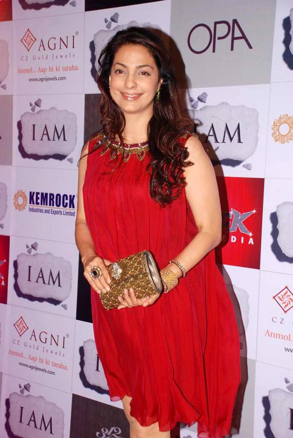 File:Juhi Chawla From The SRK, Urmila, Juhi & Chitrangda at 'I Am