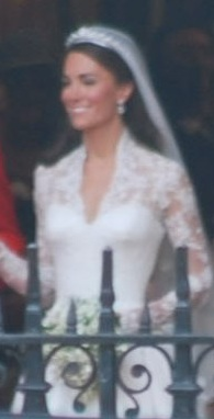 File:Kate Middleton wedding dress.jpg