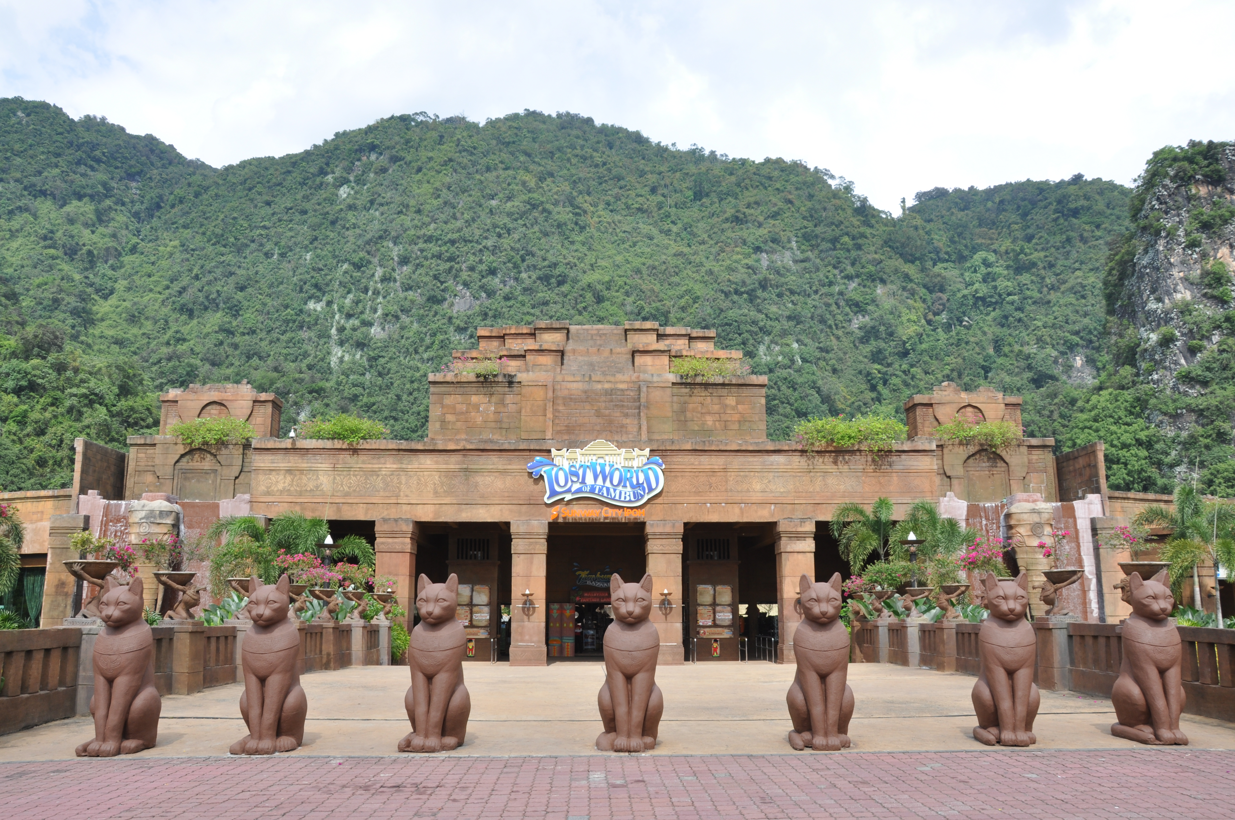 Lost Word of Tambun Main Entrance.JPG
