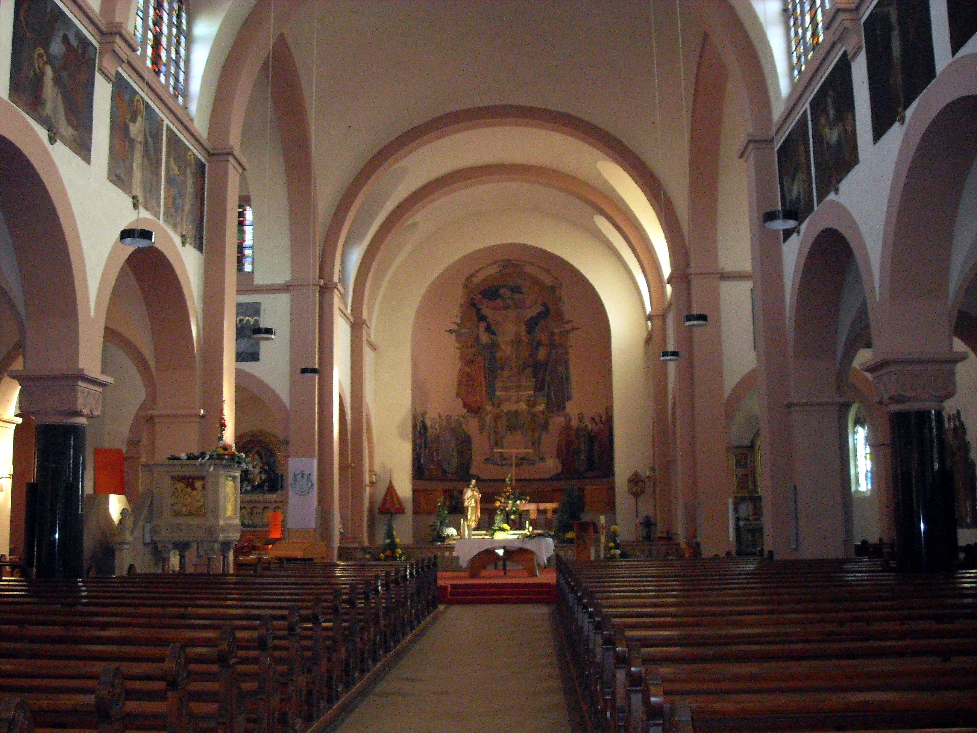 Datei:Lutterbach, Basilique Saint-Martin-du Sacré-Cœur à l\'intérieur ...