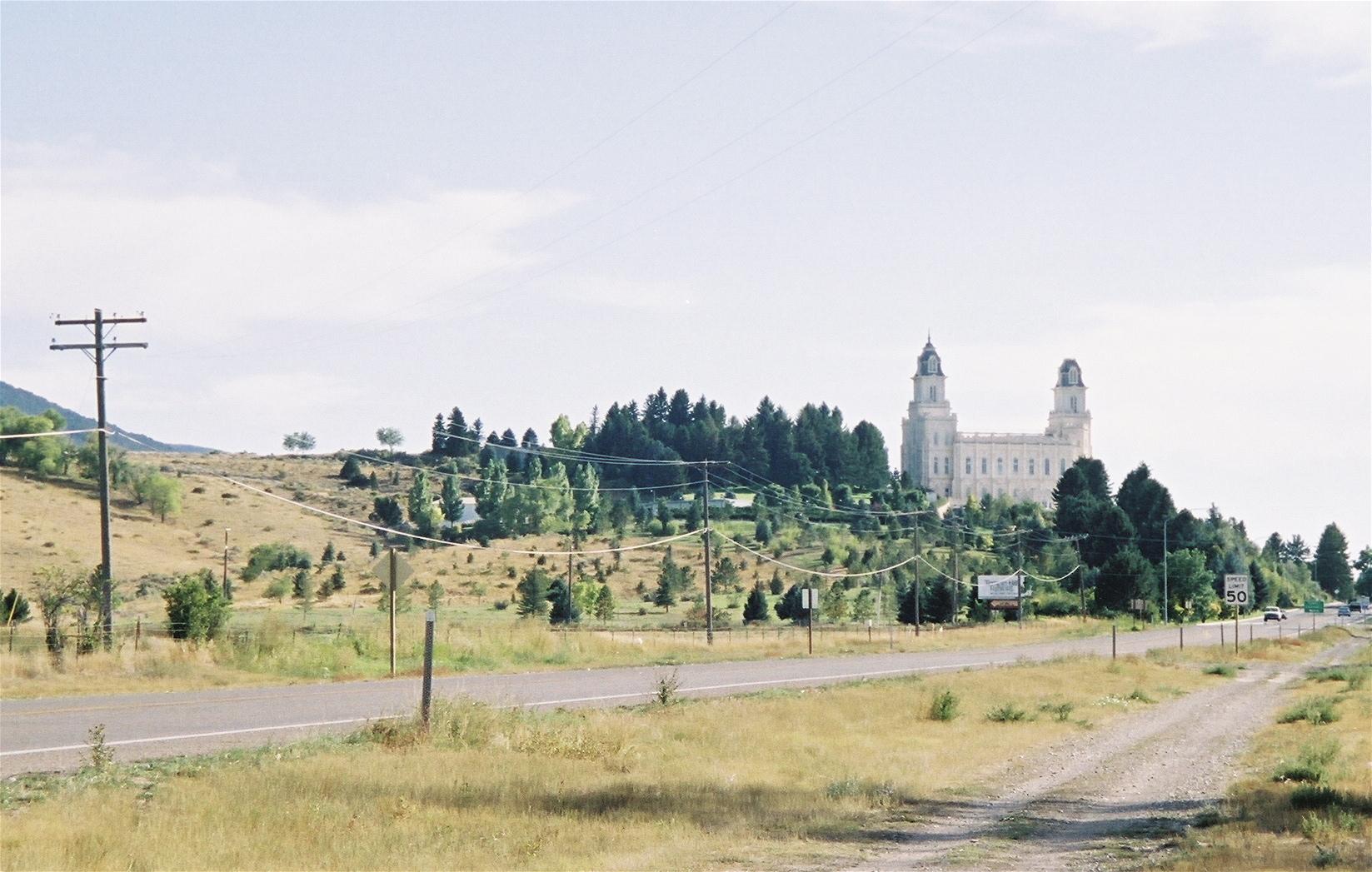 manti temple afar.jpg