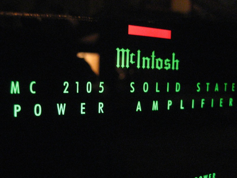 File:McIntosh MC2105 illumination, Greenhouse Studio, Silver Lake, LA.jpg