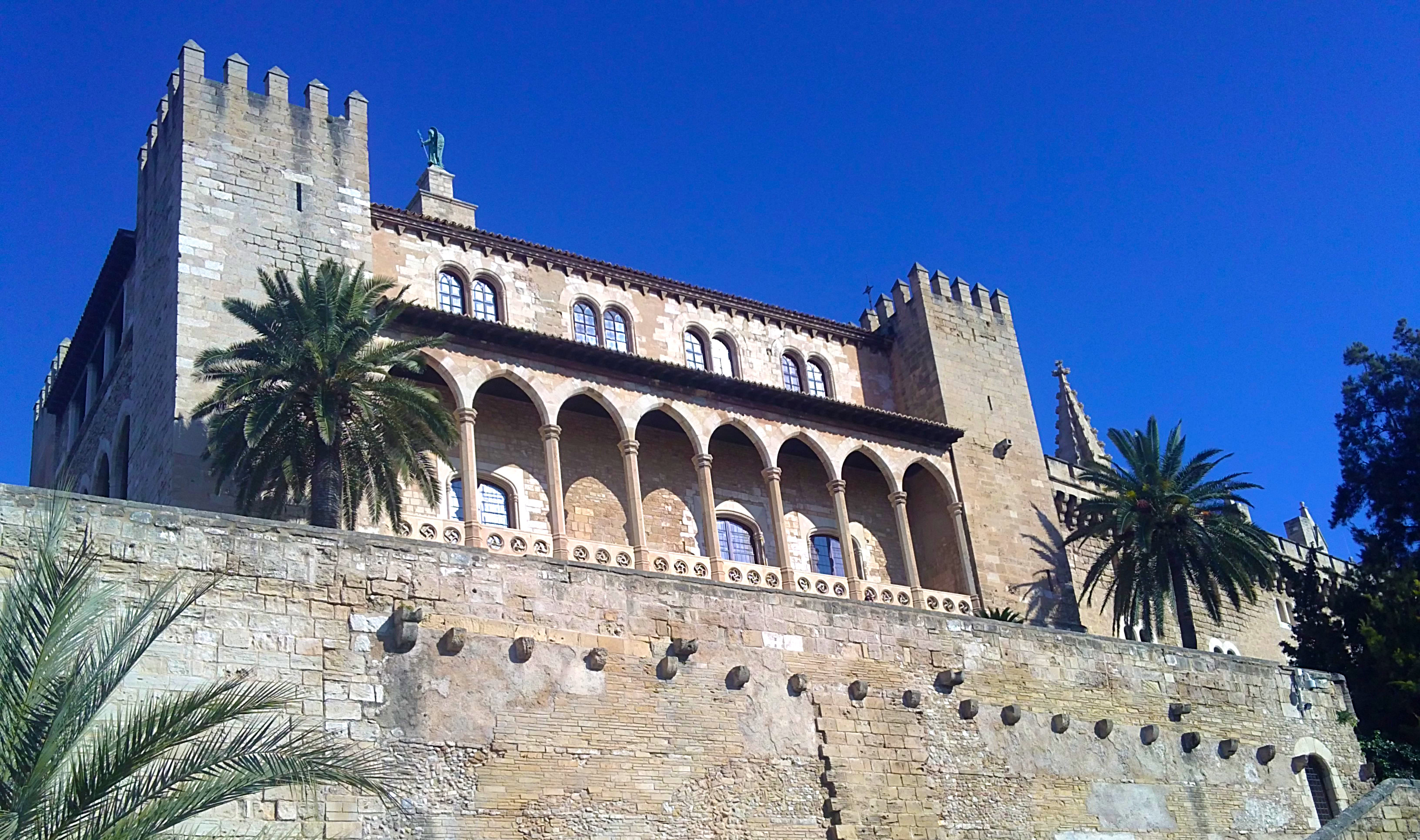 Archivo:Palacio-real-palma-mallorca.jpg - Wikipedia, la ...