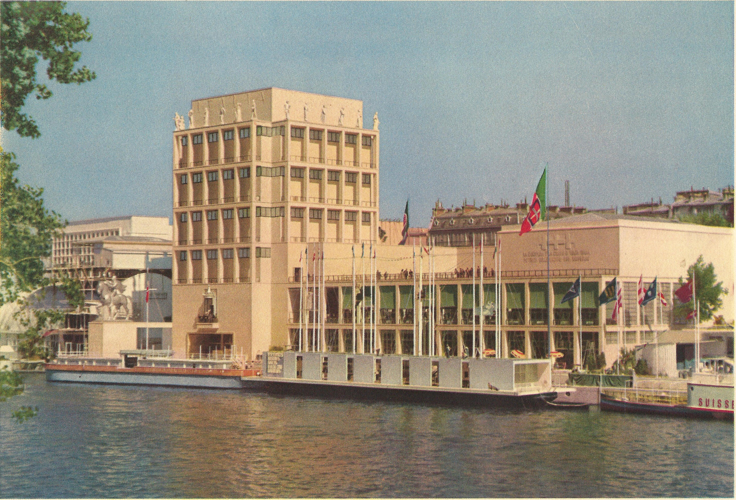 Pavillon De La Reine Hotel
