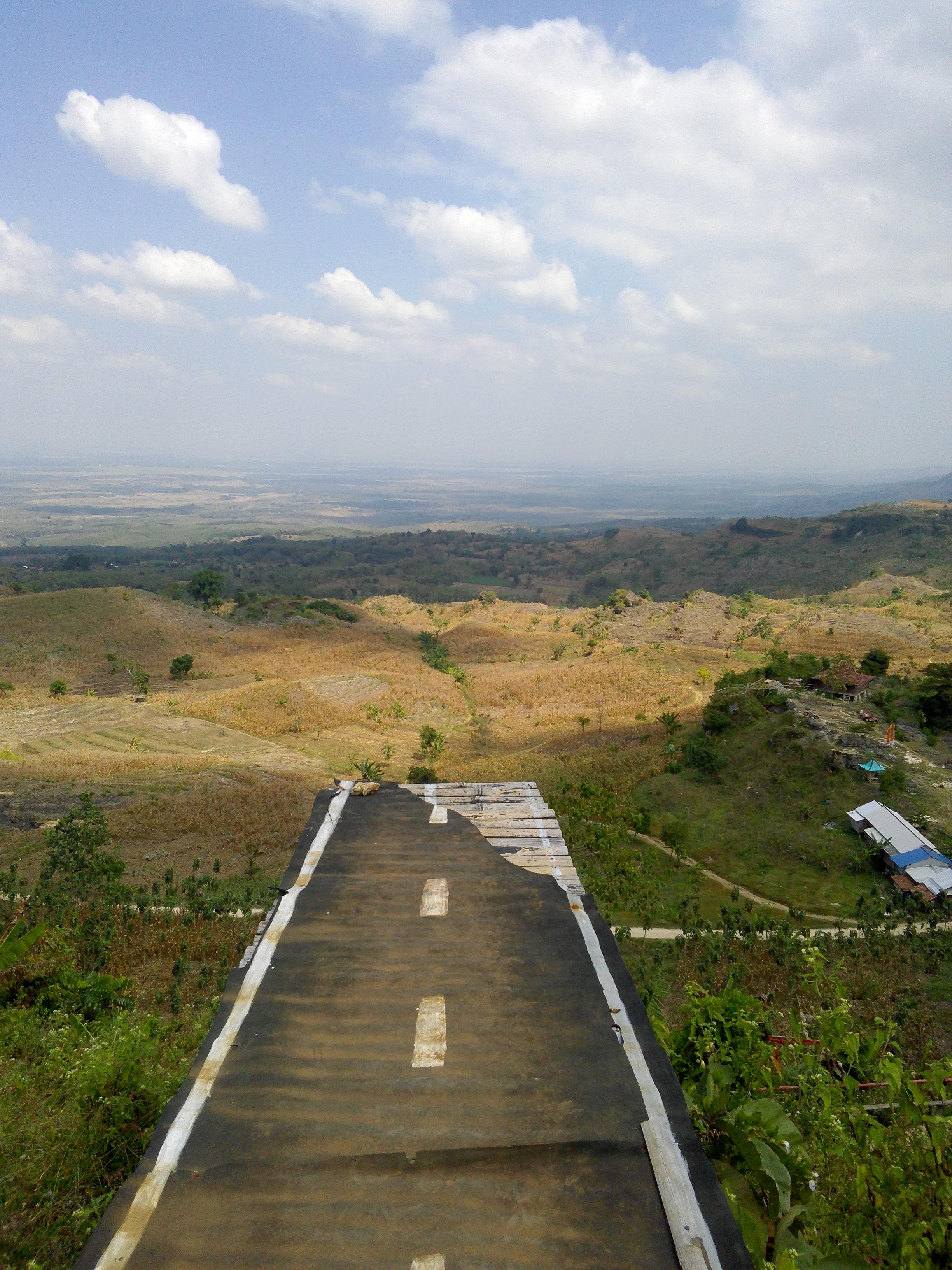 File Pemandangan Di Tempat Wisatayang Bernama Arga Pesona Di