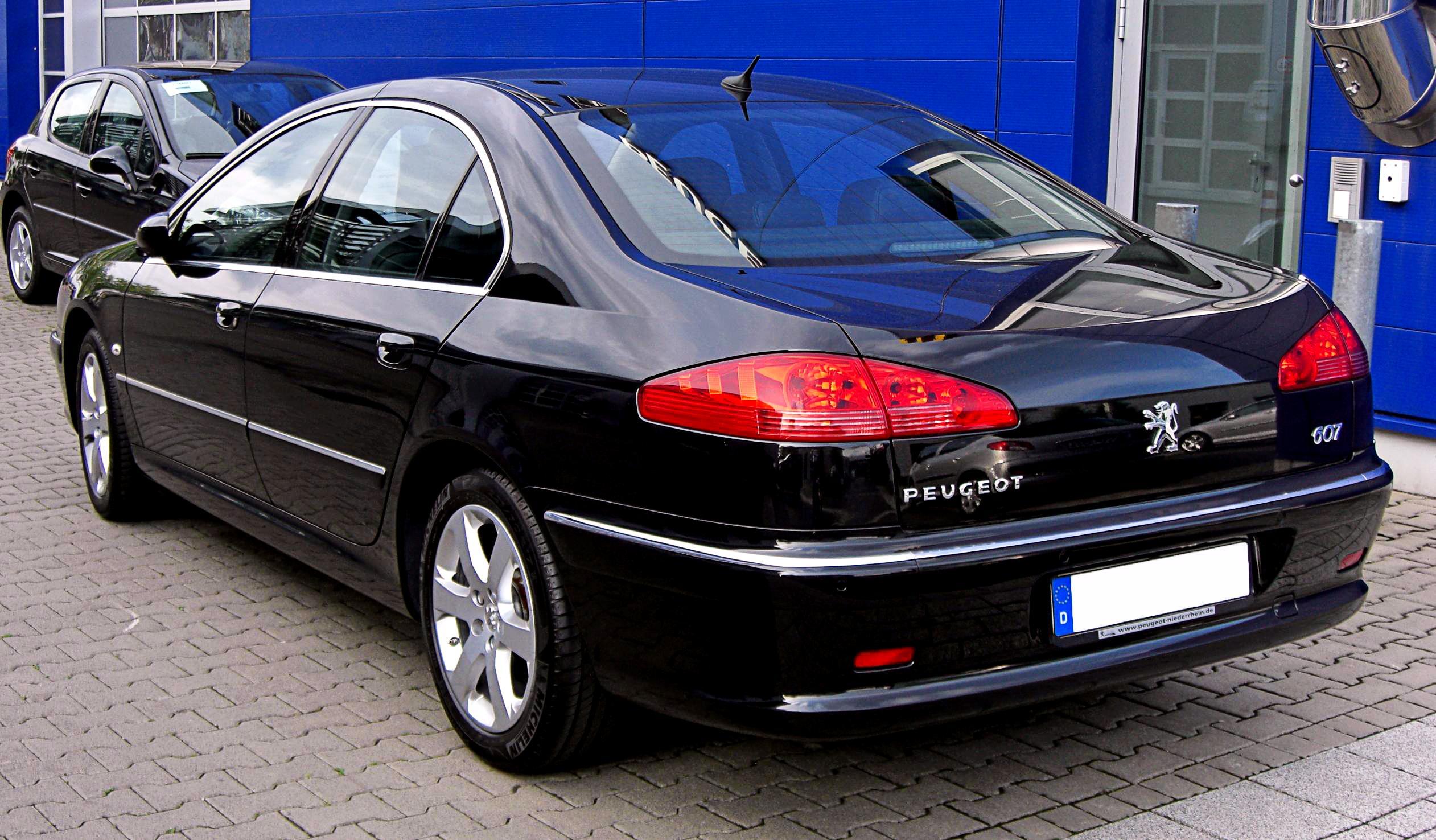 Peugeot-607-2