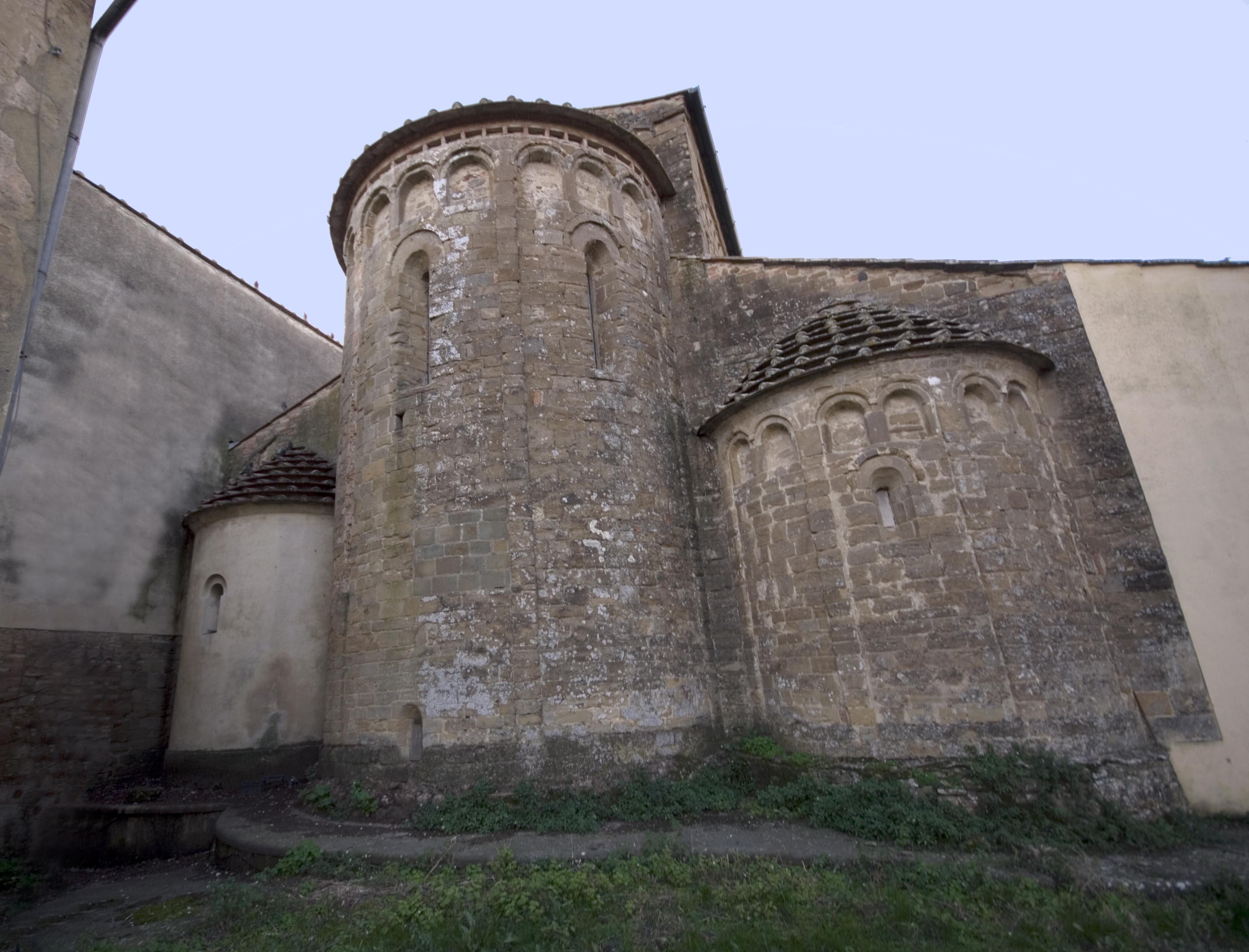 Pieve di san lazzaro abside.jpg