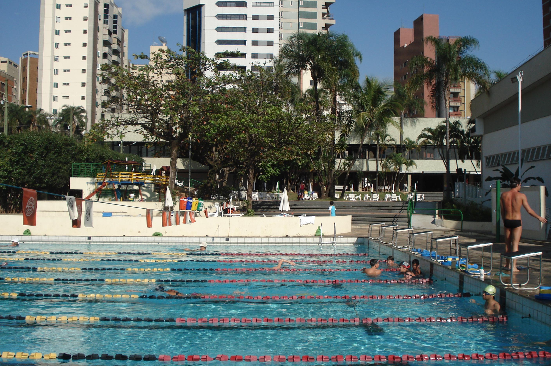 Piscina no Tênis Clube de Campinas (TCC). d373d1ac687