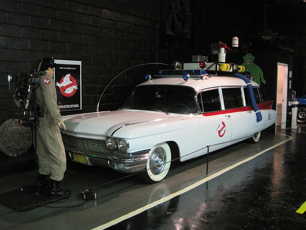 https://upload.wikimedia.org/wikipedia/commons/5/5e/Rusty-s_TV_and_Movie_Car_Museum_Jackson_TN_010.jpg