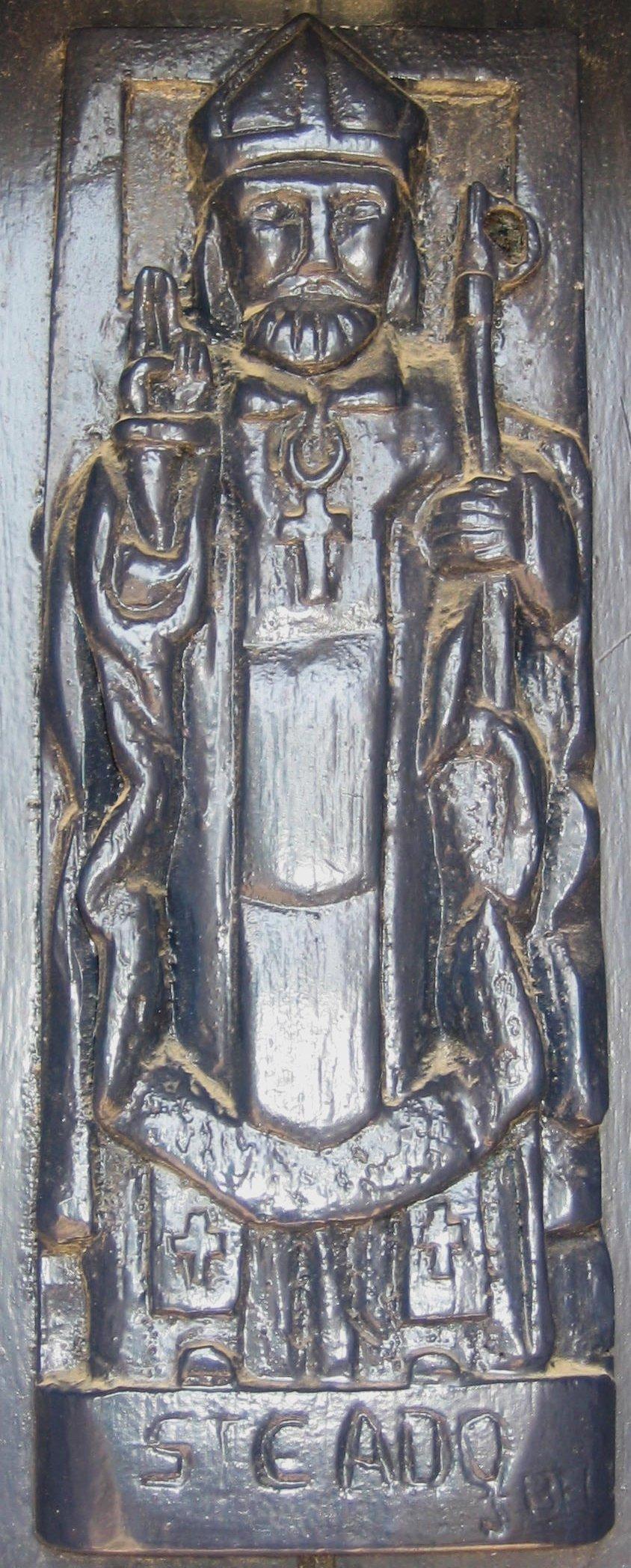 Den hellige Cadoc, skulptur på øya Saint-Cado i elven Étel i Morbihan i Bretagne