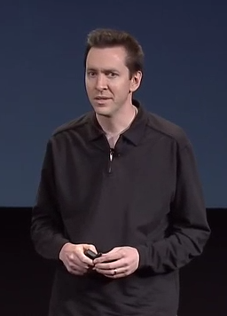 Scott Forstall2 Nuevo IPhone 5...perdon, 4S : )