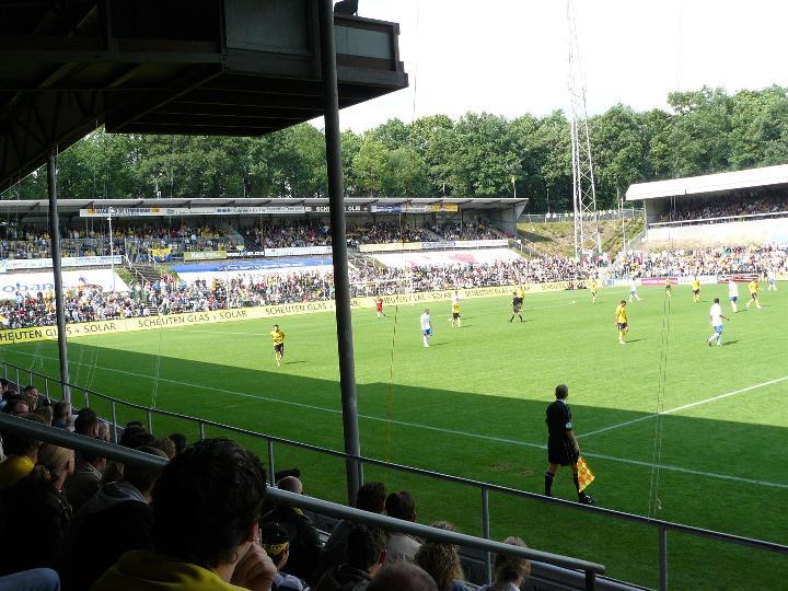 File:Seacon Stadion - De Koel.jpg