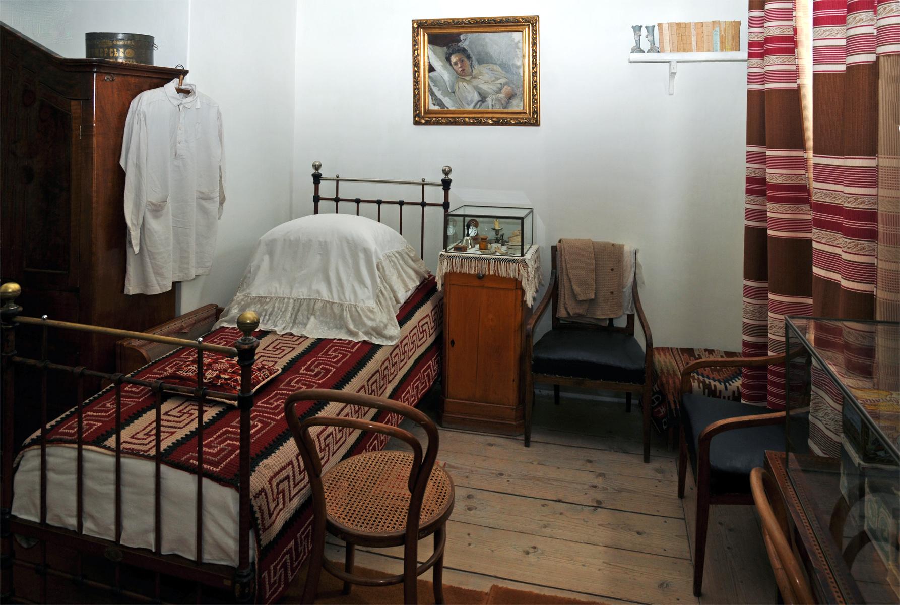 File:Stanza da letto di tolstoj.jpg - Wikipedia