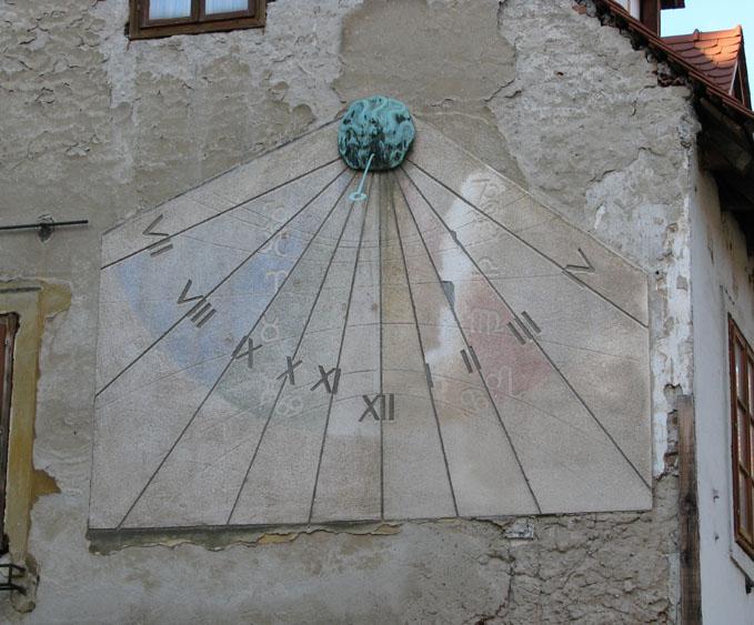 File Suncani Sat Tkalca Zagreb Jpg Wikimedia Commons