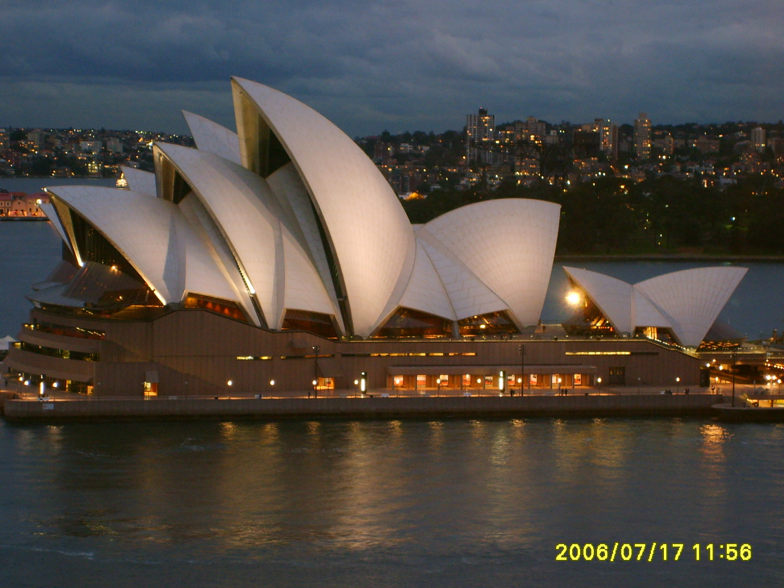 Sydney opera house and harbour bridge - File The Sydney Opera House In The Evening As Seen From The Harbour Bridge