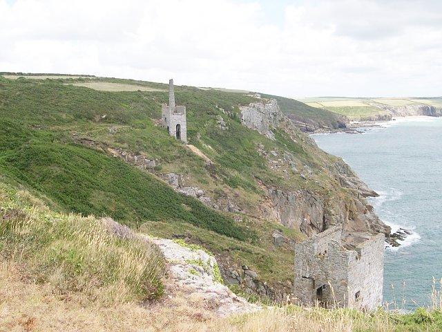 File:Trewavas Mine - geograph.org.uk - 31494.jpg