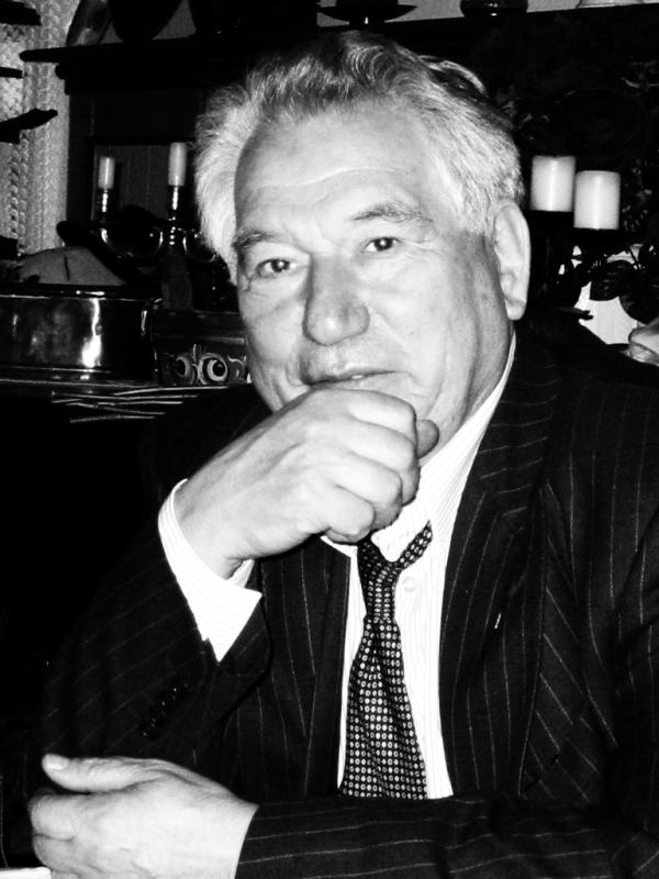 Picture of an author: Cengiz Aytmatov