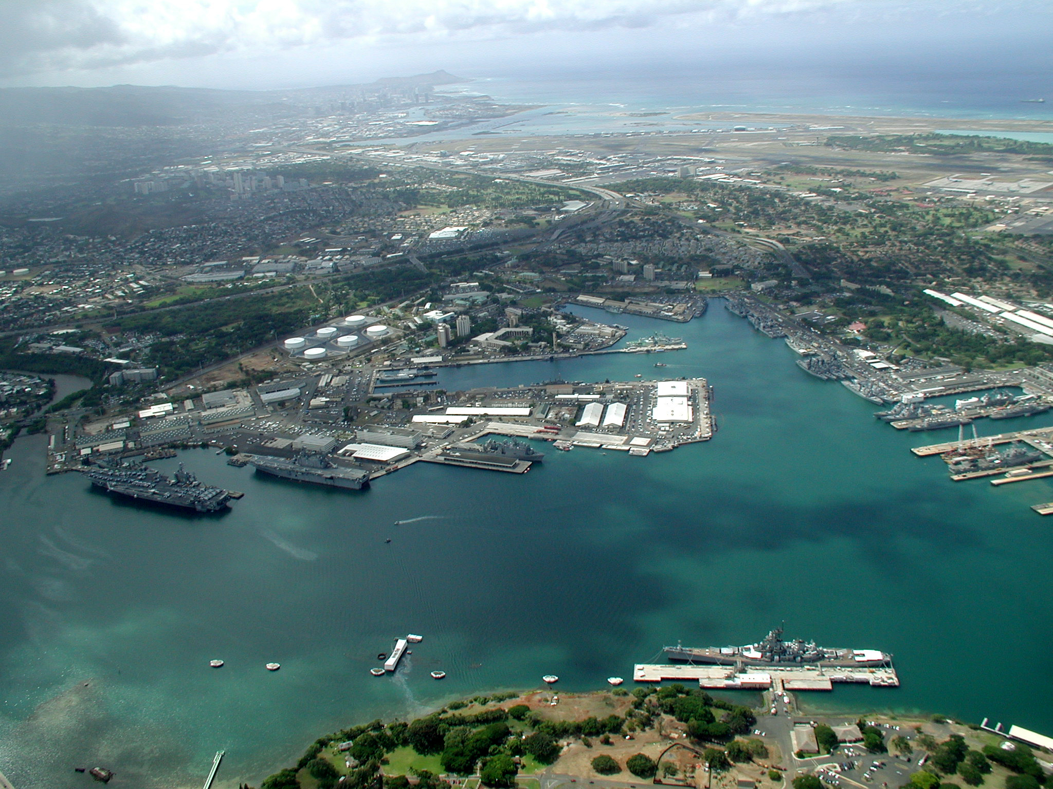 helicopter norfolk with File Us Navy 040630 N 2911p 004 Ships From Seven Participating Nations Sit Pier Side At Pearl Harbor  Hawaii  Awaiting The Start Of Exercise Rim Of The Pacific  Rimpac  2004 on French Join British Soldiers For Big Guns Return To Norfolk likewise File us navy 040630 N 2911p 004 ships from seven participating nations sit pier side at pearl harbor  hawaii  awaiting the start of exercise rim of the pacific  rimpac  2004 likewise Fn 6 man portable air defense missile system technical data sheet specifications pictures video together with Queen Elizabeths Coronation What We Can Learn From 1953 besides Helicopter Mine Countermeasures Squadron 15.
