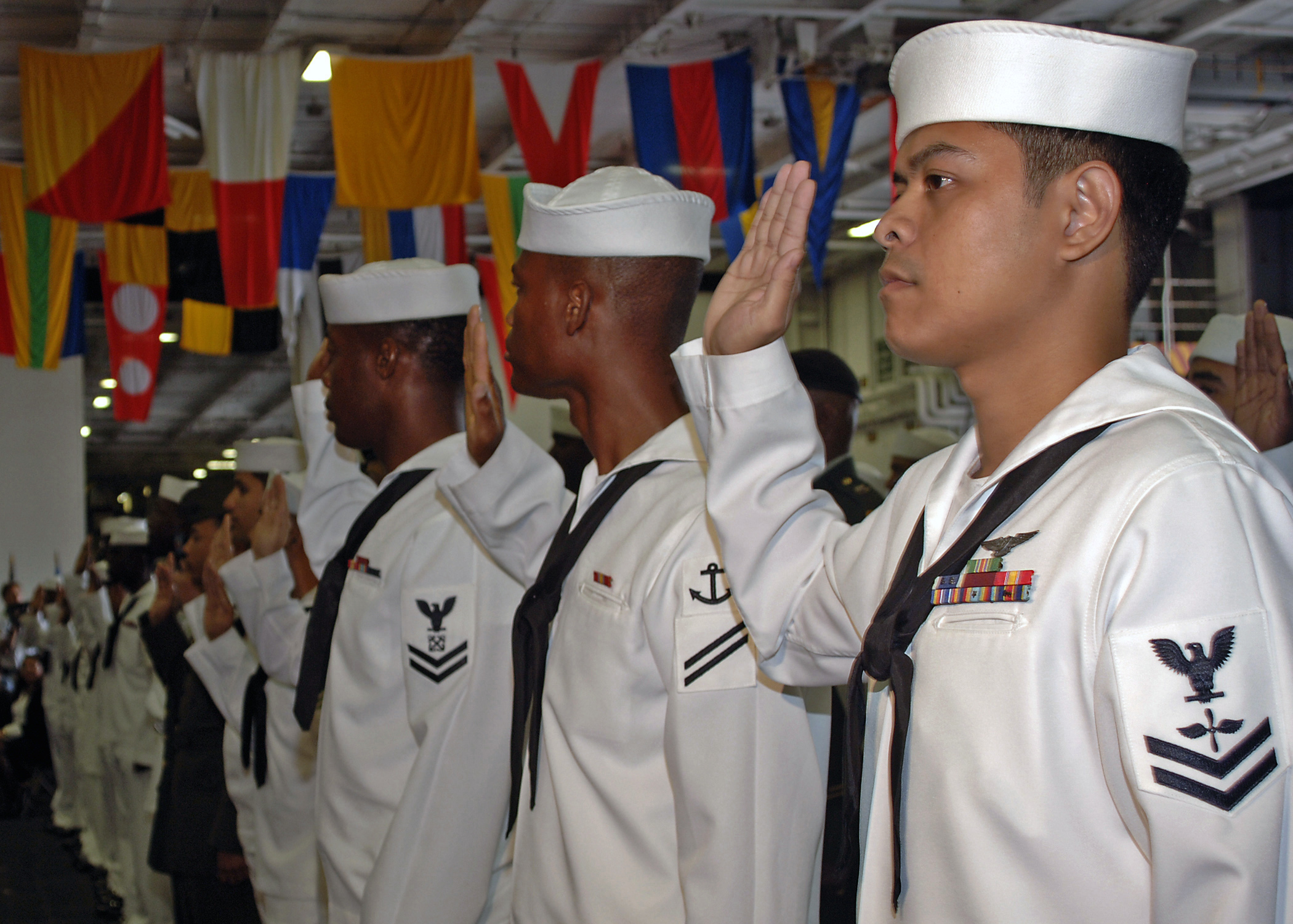 us navy 060614 n 1045b 029 u s navy sailors take the oath of file us navy 060614 n 1045b 029 u s navy sailors take the oath of citizenship given by u s citizenship and immigration services