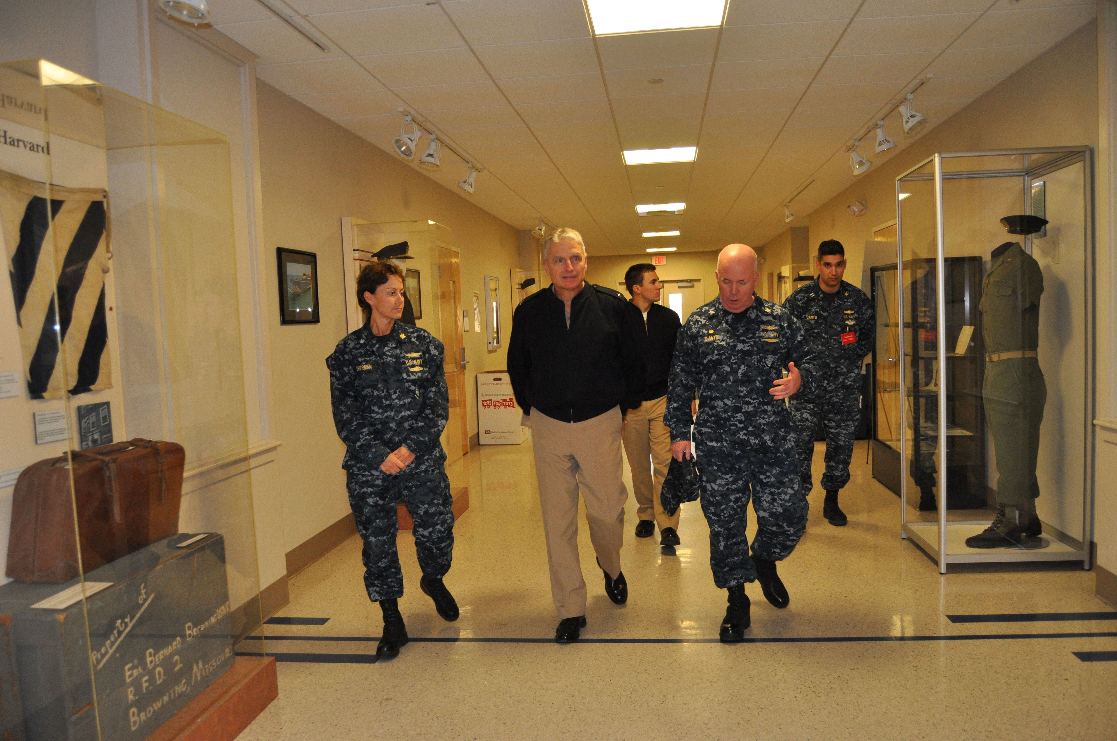 File:US Navy 111208-N-SQ684-053 Capt. Jim Davis, commanding ...