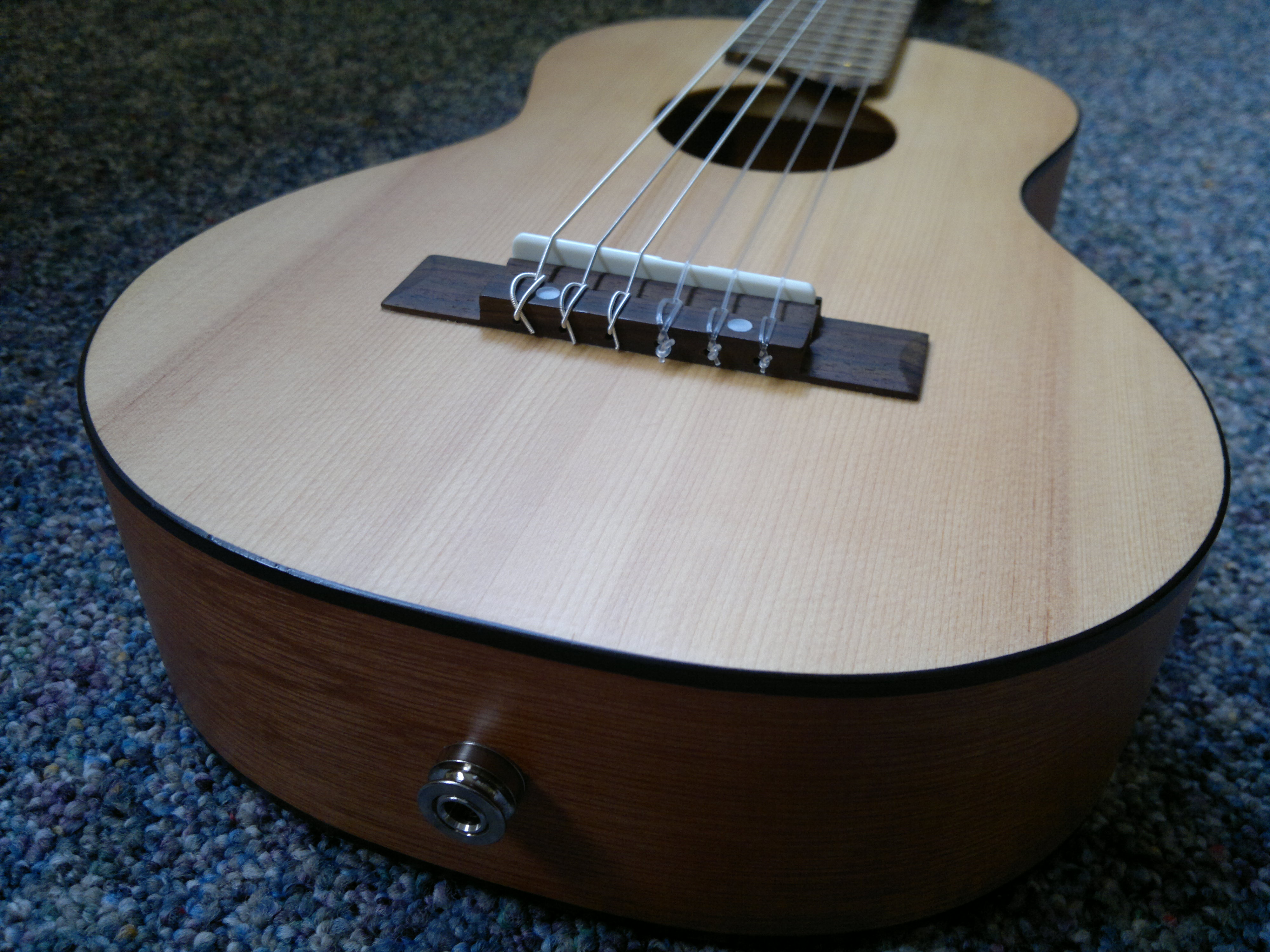 file yamaha gl 1 guitalele modded with transducer pickup