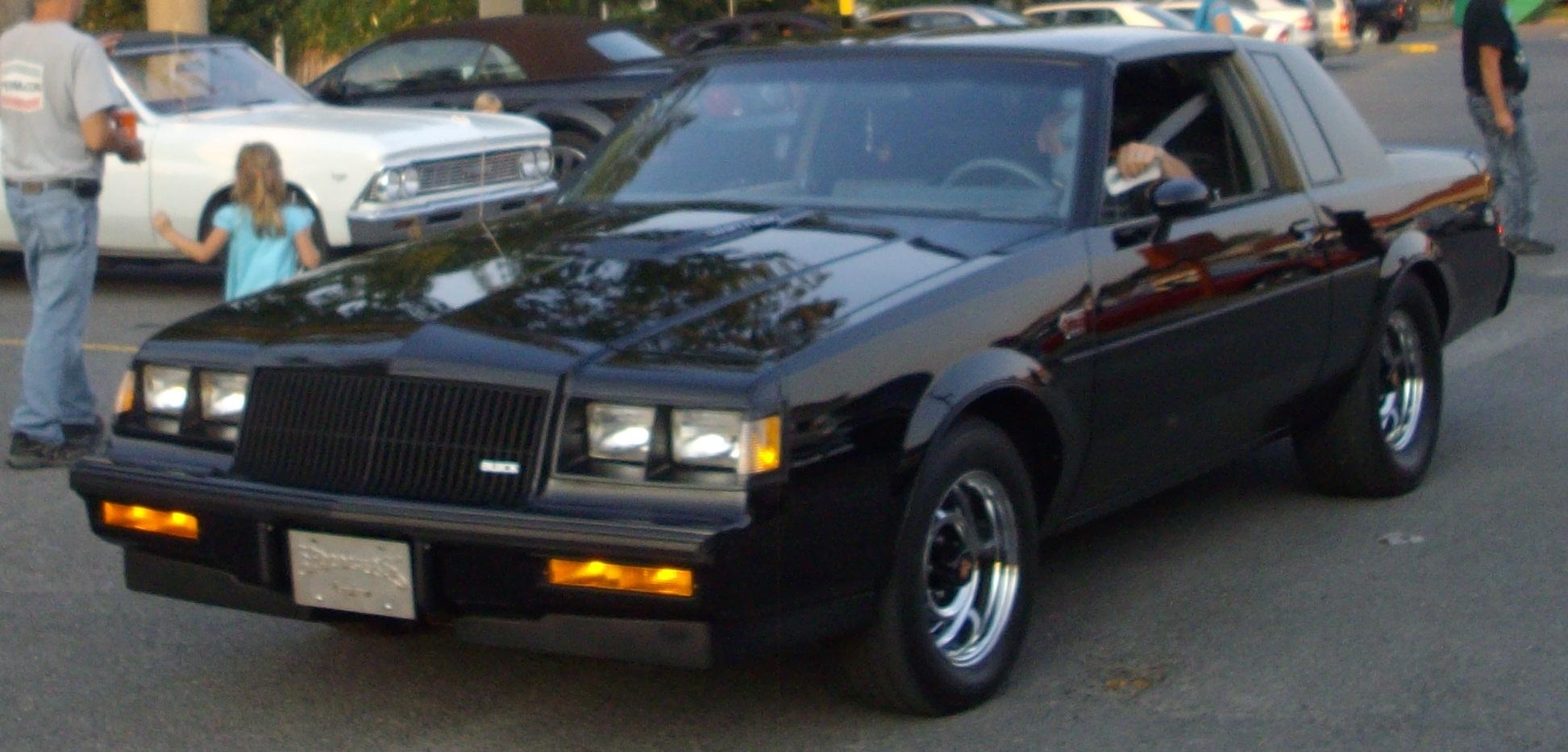 File:'87 Buick Regal Grand National (Auto classique A&W Châteauguay ...