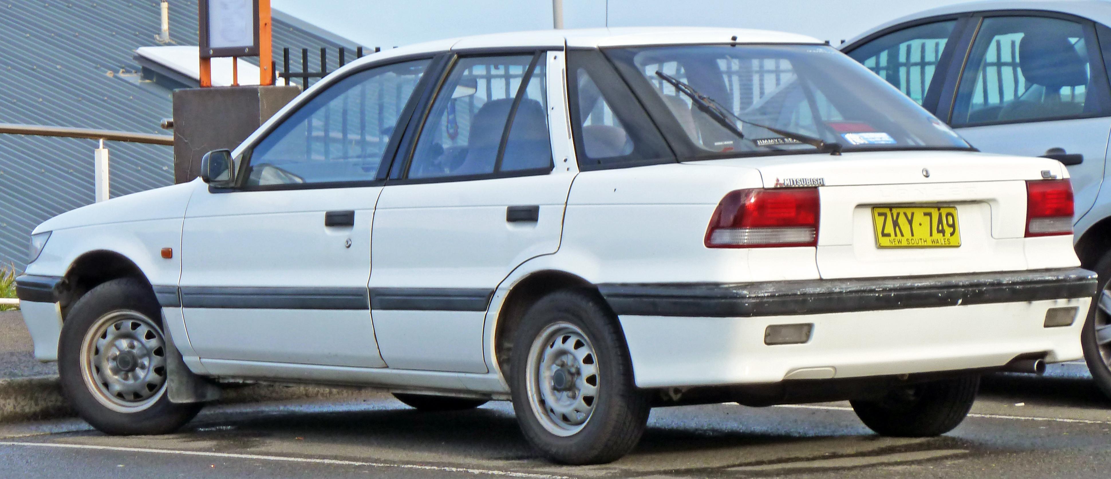 file:1992-1996 mitsubishi lancer (cc) gl 5-door hatchback 04