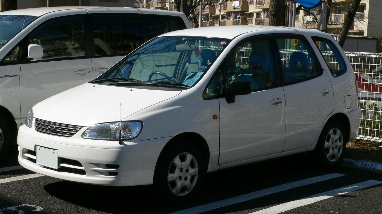 File 1999 Toyota Corolla Spacio 01 Jpg Wikimedia Commons