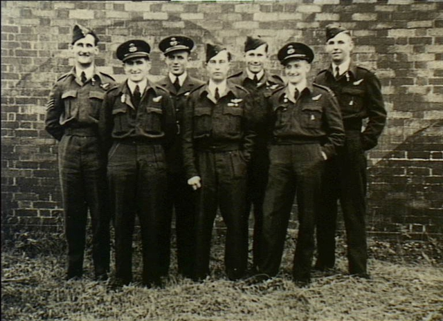 File:463 Squadron RAAF Lancaster aircrew Waddington 1944 ... Joe Freeman
